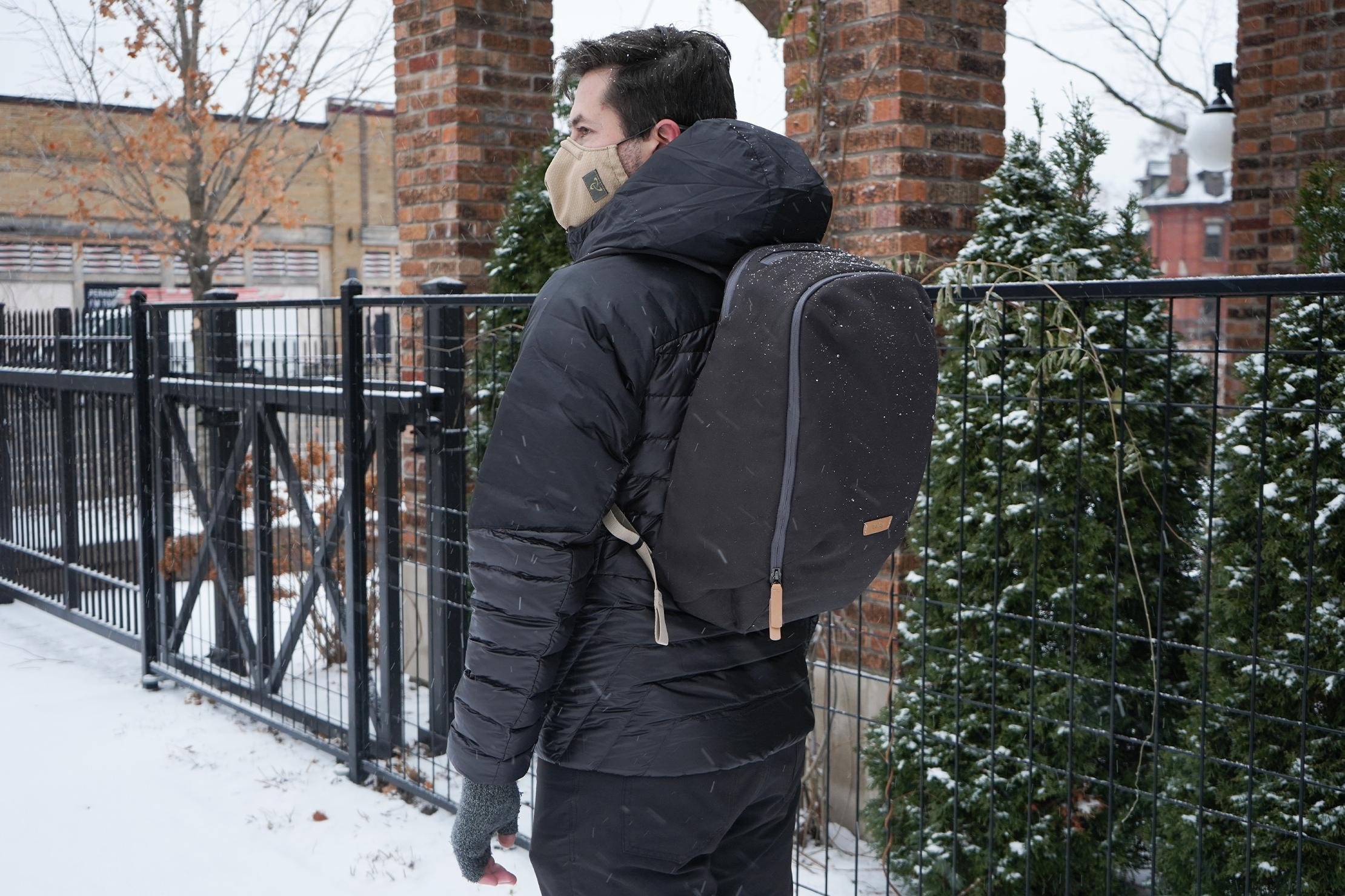 Bellroy Transit Workpack | Carrying the backpack to the office