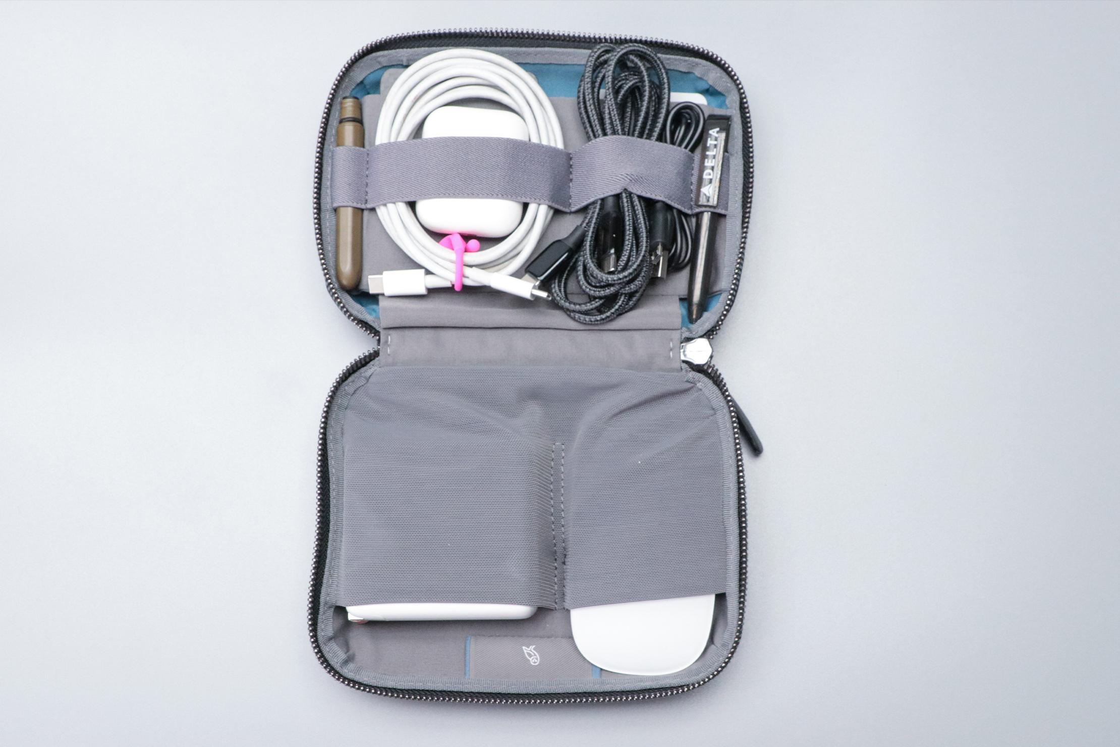 Bellroy Tech Kit Compact Flat Full