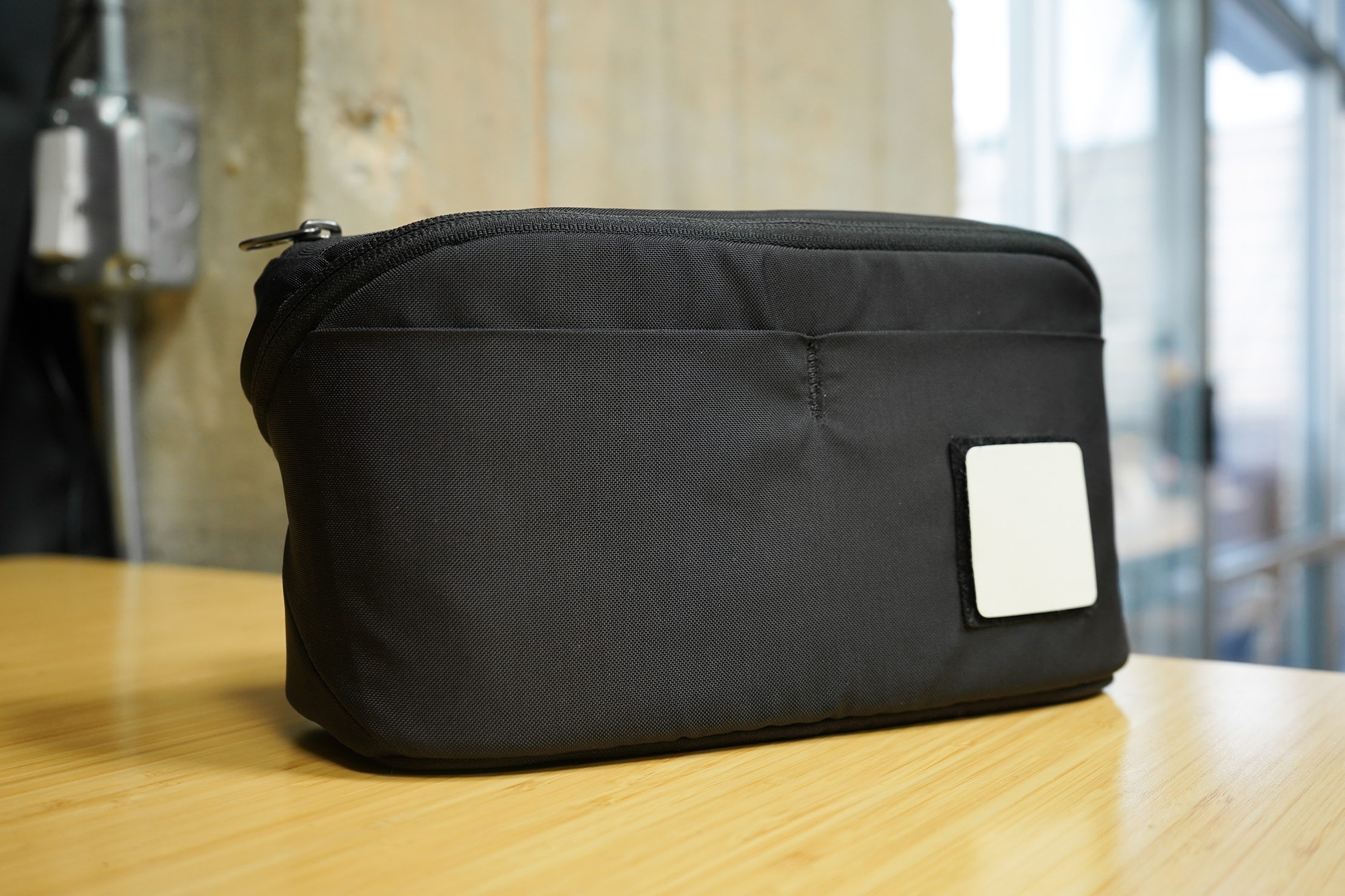 EVERGOODS Civic Access Pouch 2L | Plain looks on the outside, clever organization on the inside