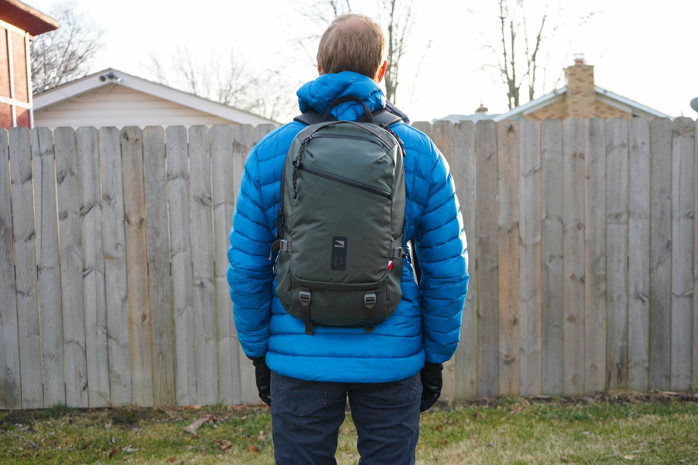Lander Commuter Backpack 25L | Carrying the backpack on the way to the office