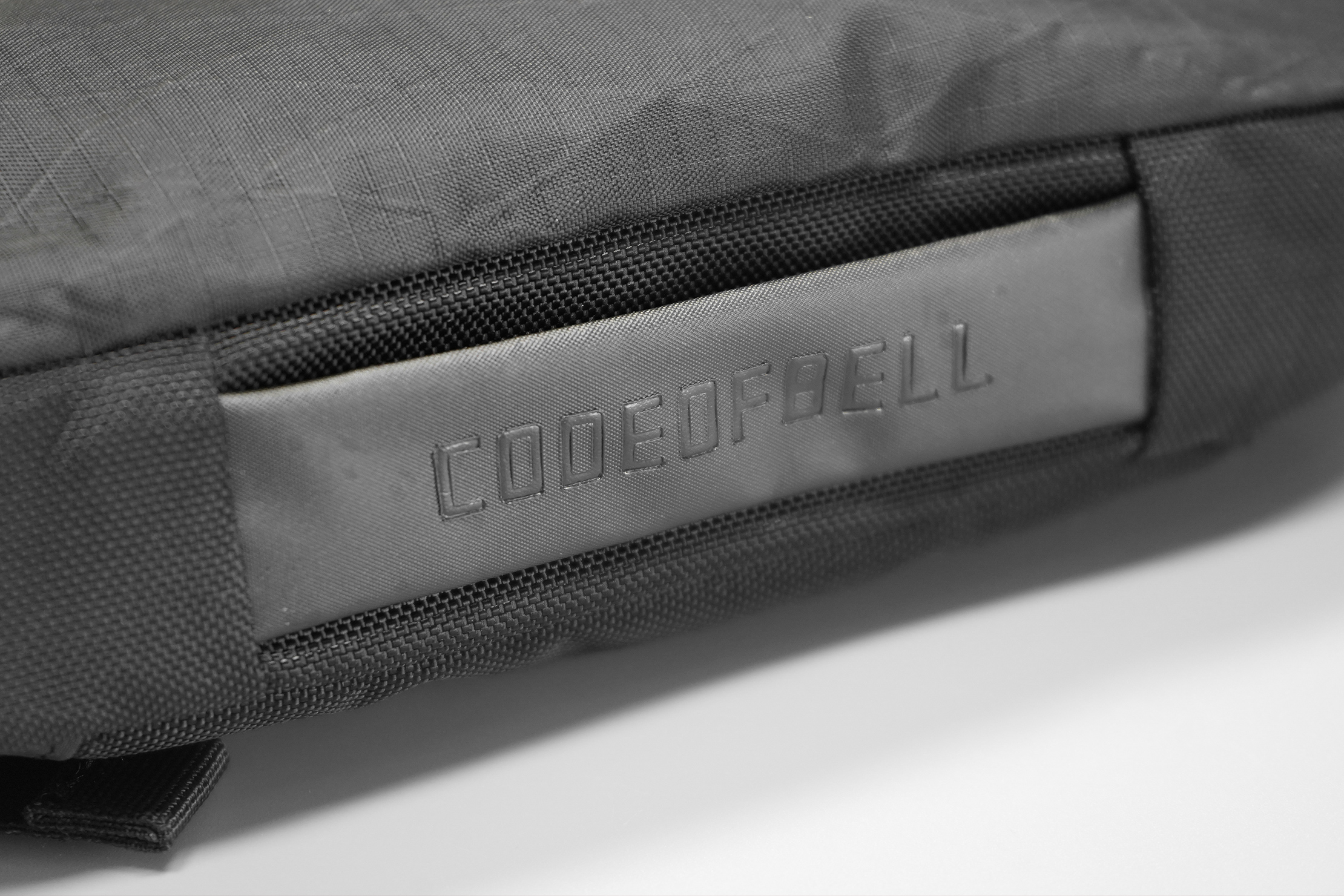 CODEOFBELL ANNEX CARRIER | The handle doesn't feel as good as the rest, but it gets the job done