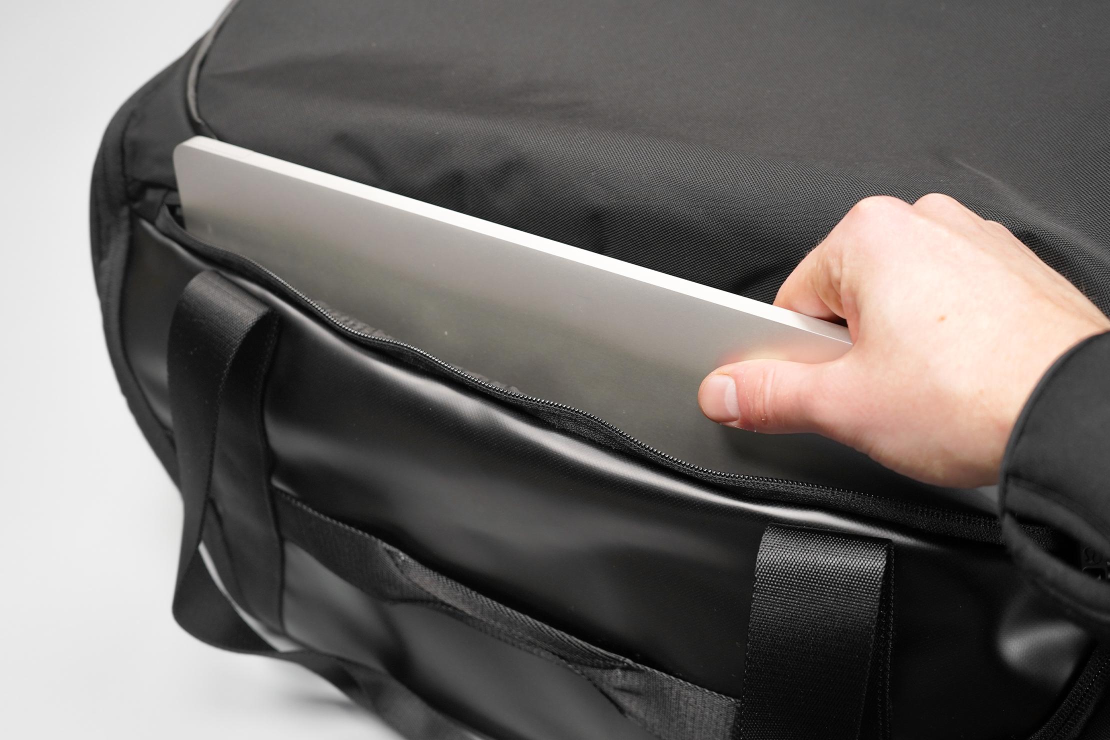 lululemon More Miles Duffle Laptop Compartment