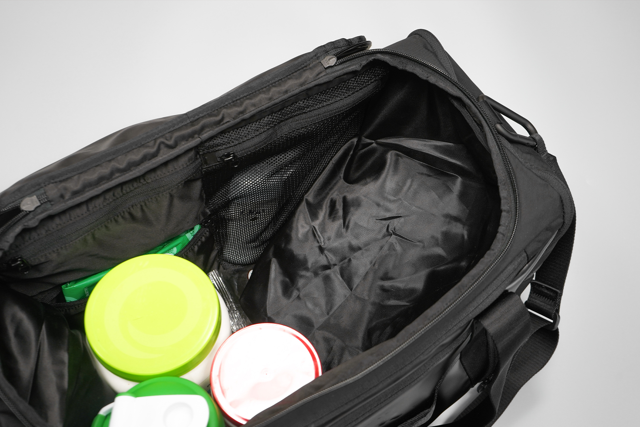 lululemon More Miles Duffle Shoe Compartment in Bag