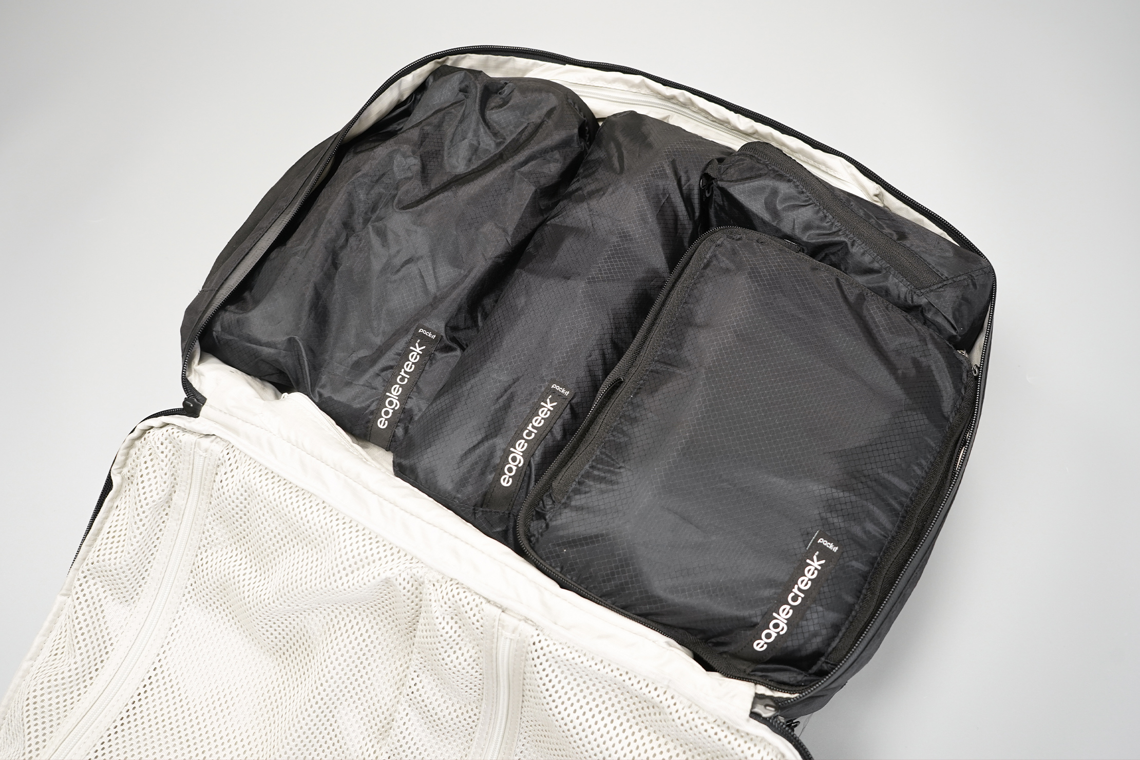 Eagle Creek Pack-It Isolate packing cubes in a bag