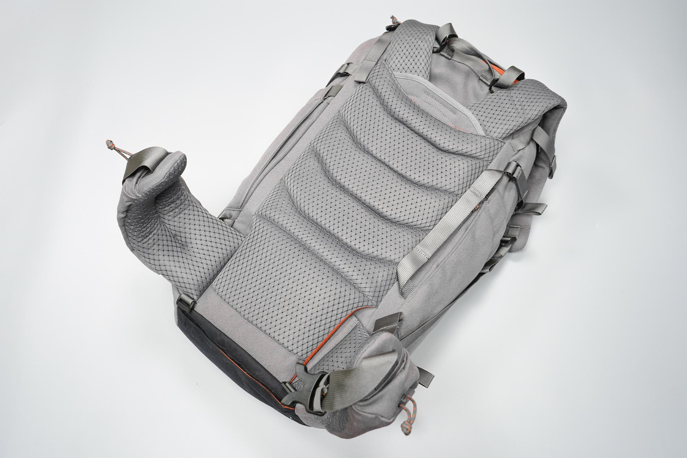 Salkan Backpacker | The mesh-covered back panel of the Mainpack