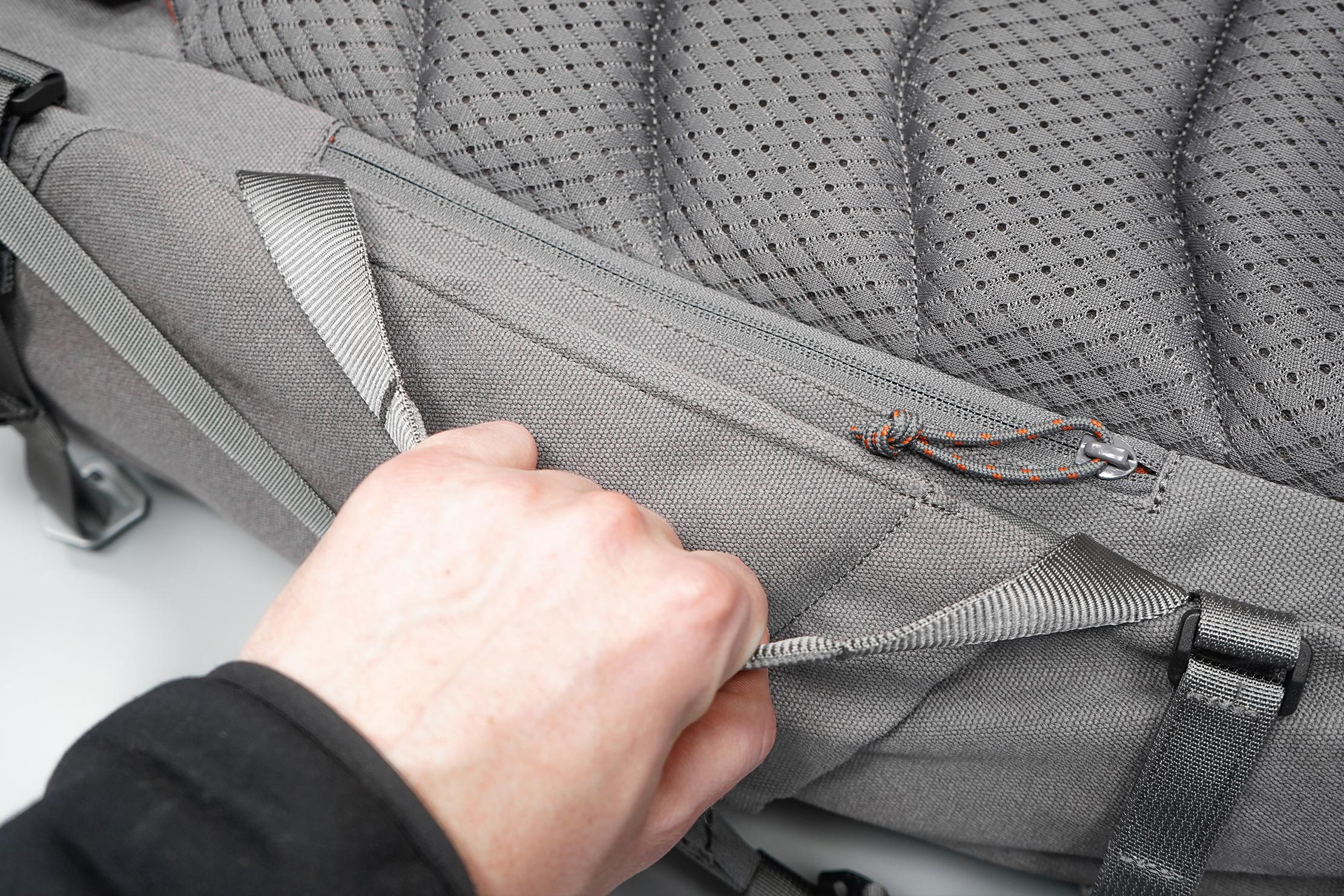 Salkan Backpacker | Using the side handle
