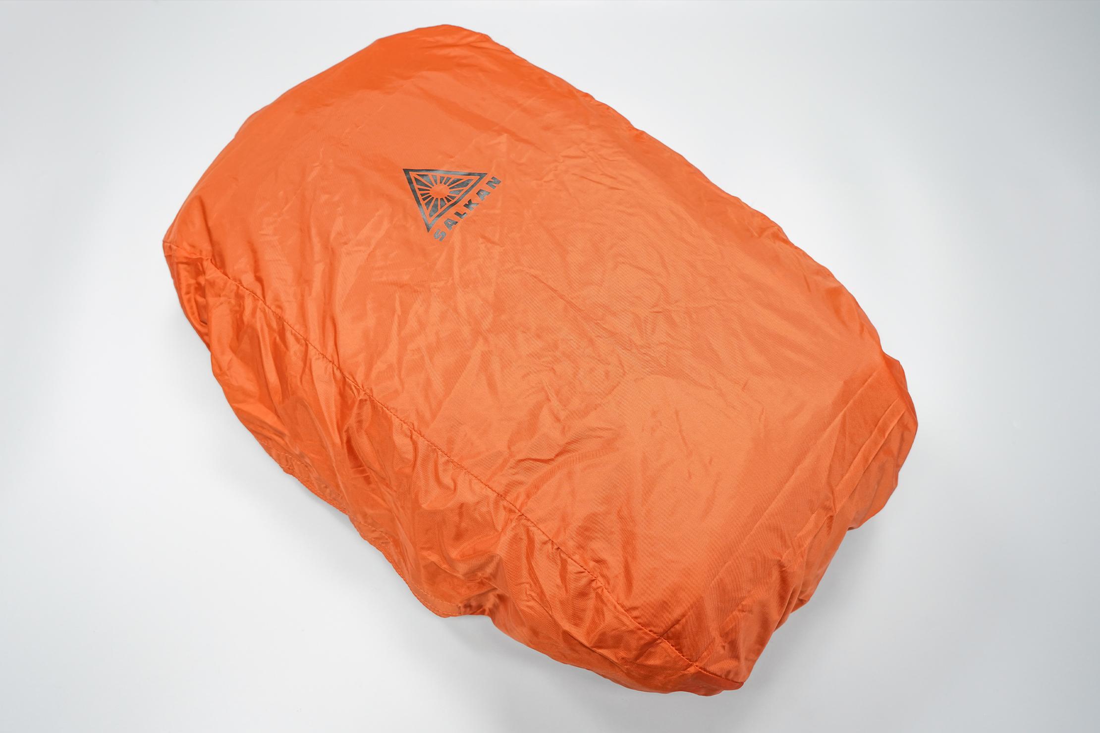 Salkan Backpacker | The Flight&Rain cover in use