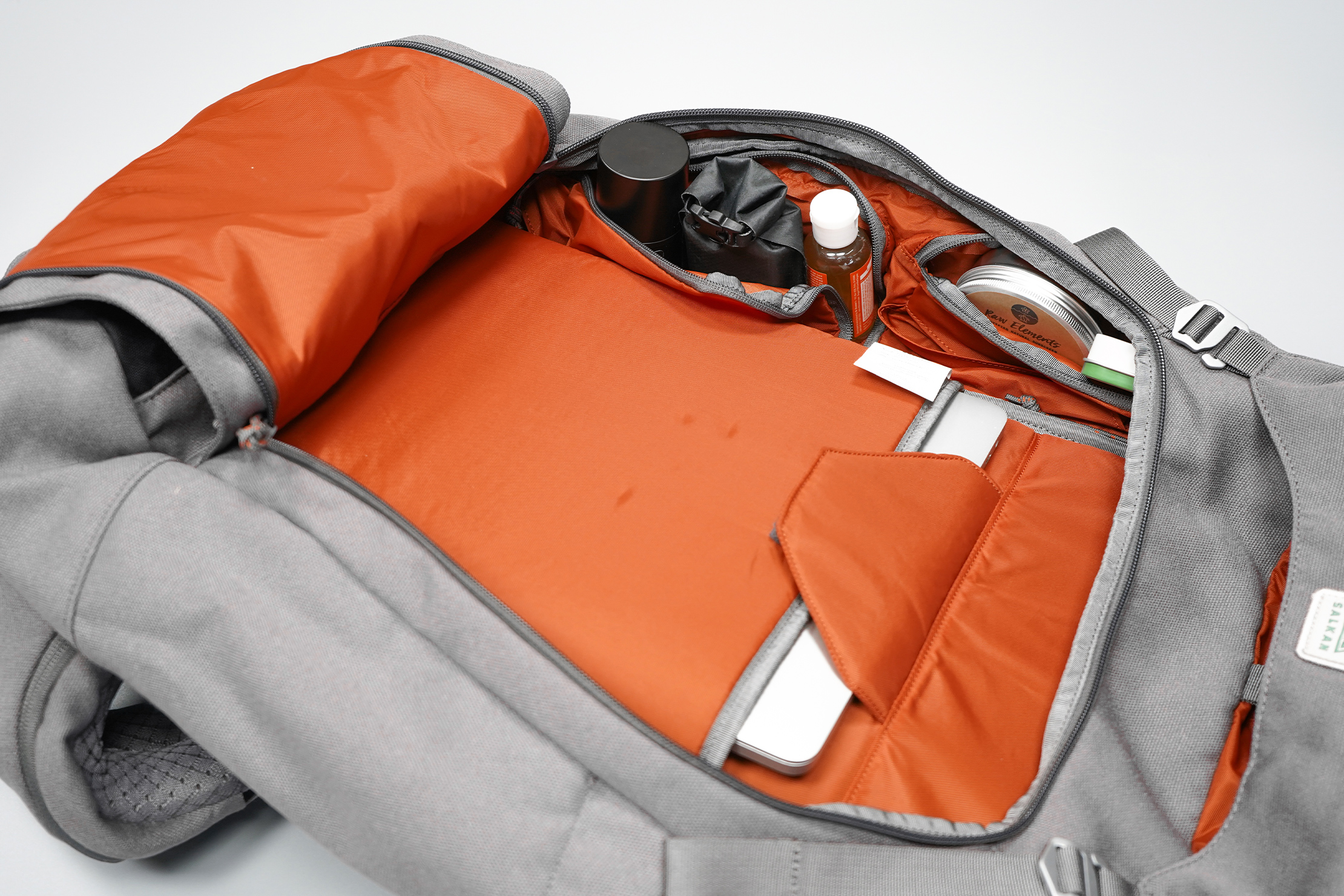Salkan Backpacker | Organization inside the Mainpack's main compartment