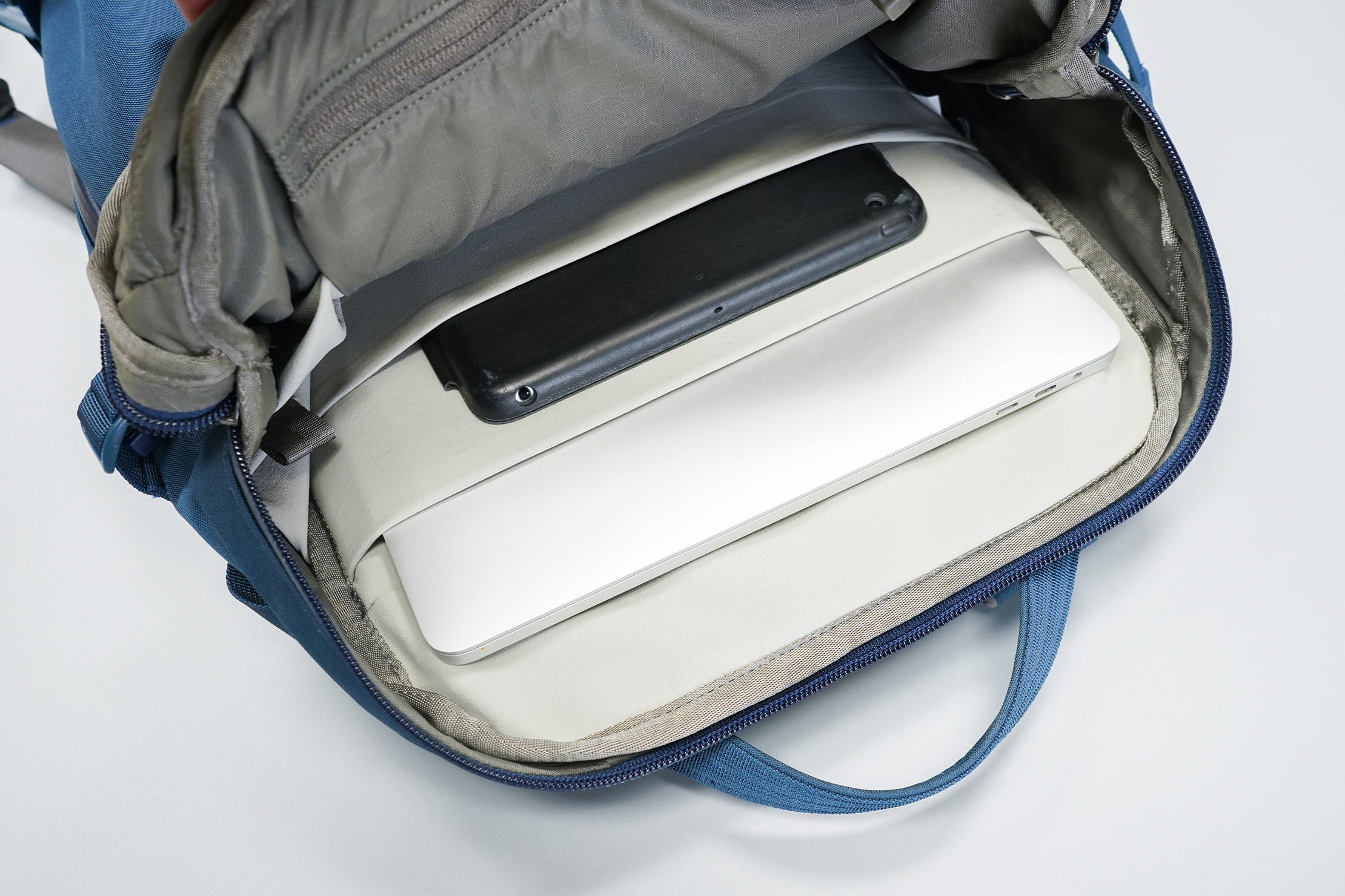 YETI Crossroads 22L Backpack | Laptop Compartment