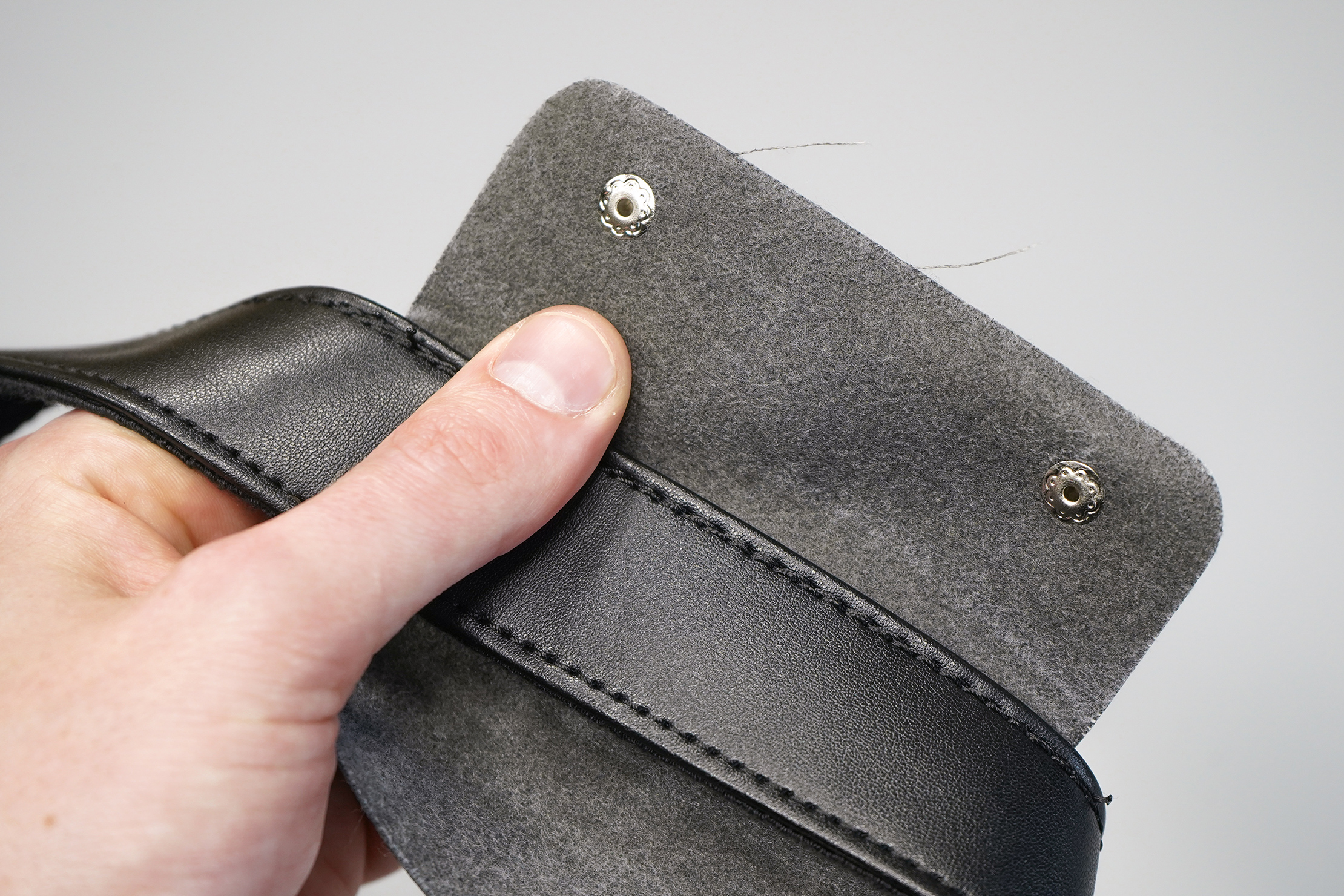 Nomad Lane Bento Bag Sport Edition fraying on the carry handle