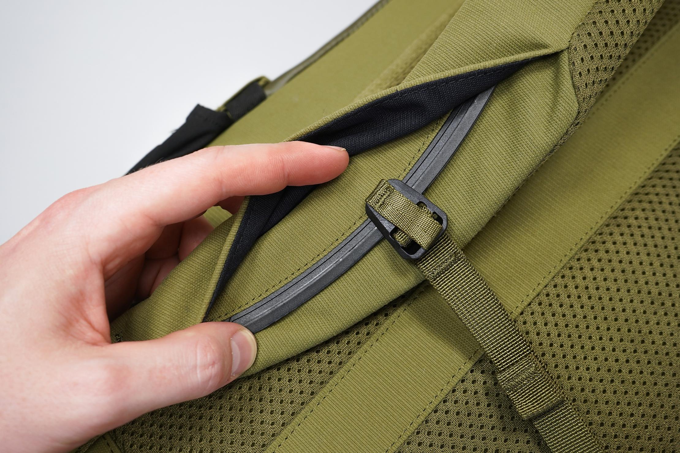 Moment MTW Backpack | Sternum strap