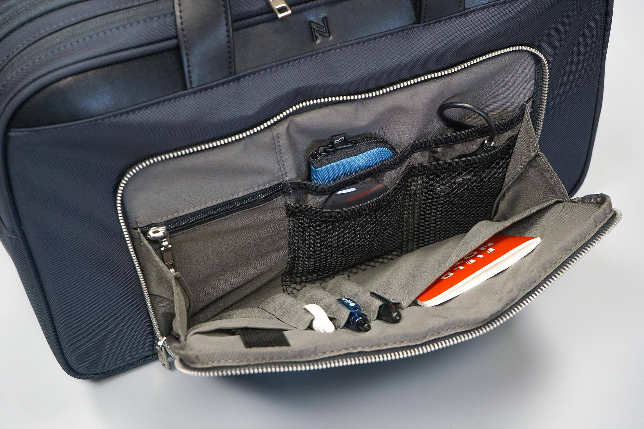 Nomad Lane Bento Bag Sport Edition front pocket