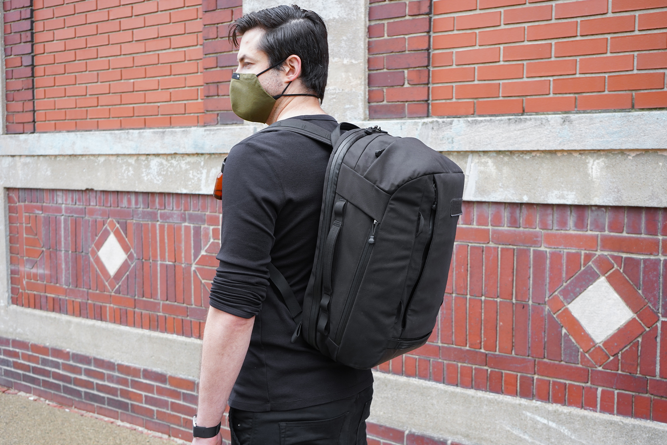 YETI Crossroads 35L Backpack | Using the backpack in another city.