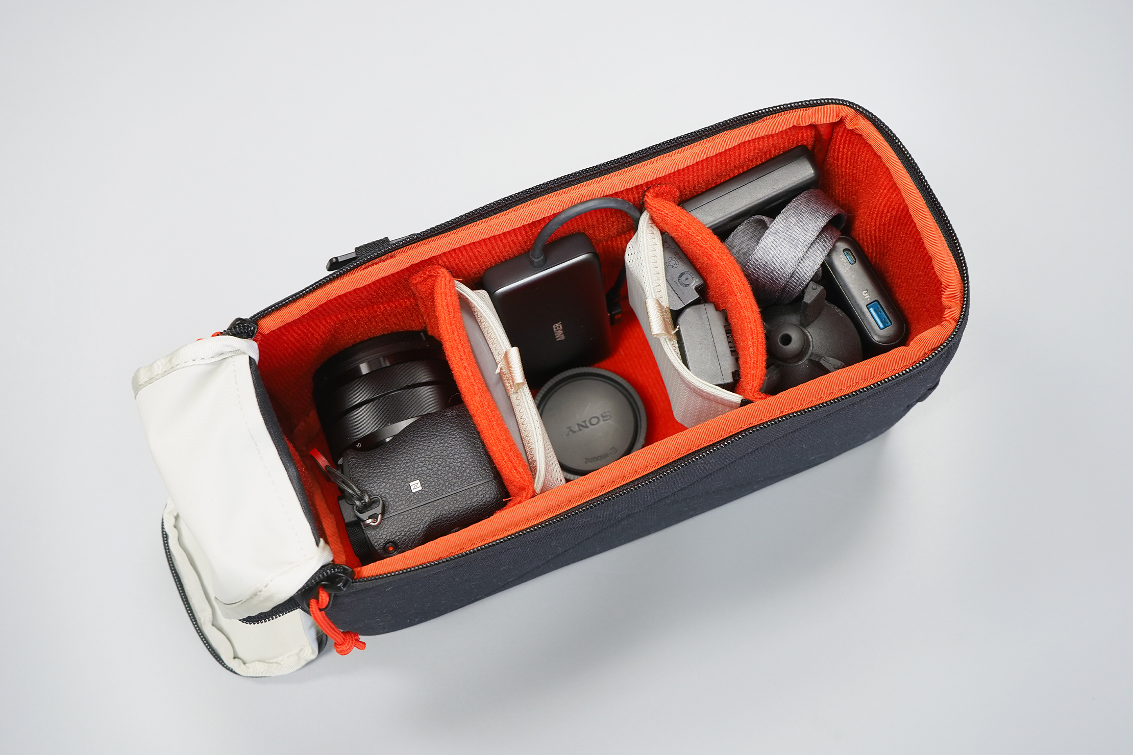 Moment MTW Camera Insert 5L | Packing the interior