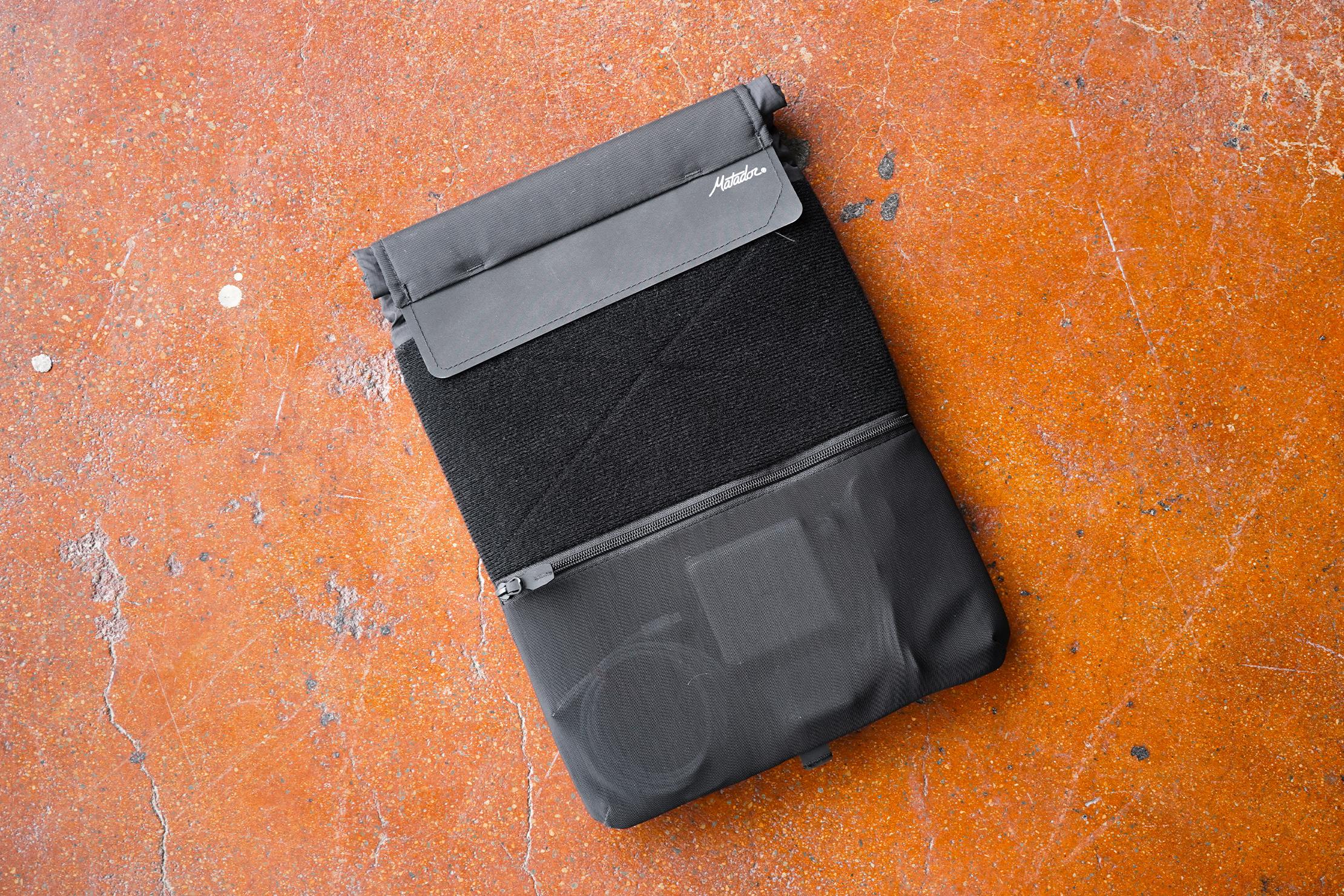 Matador Laptop Base Layer   Using the bag outdoors.