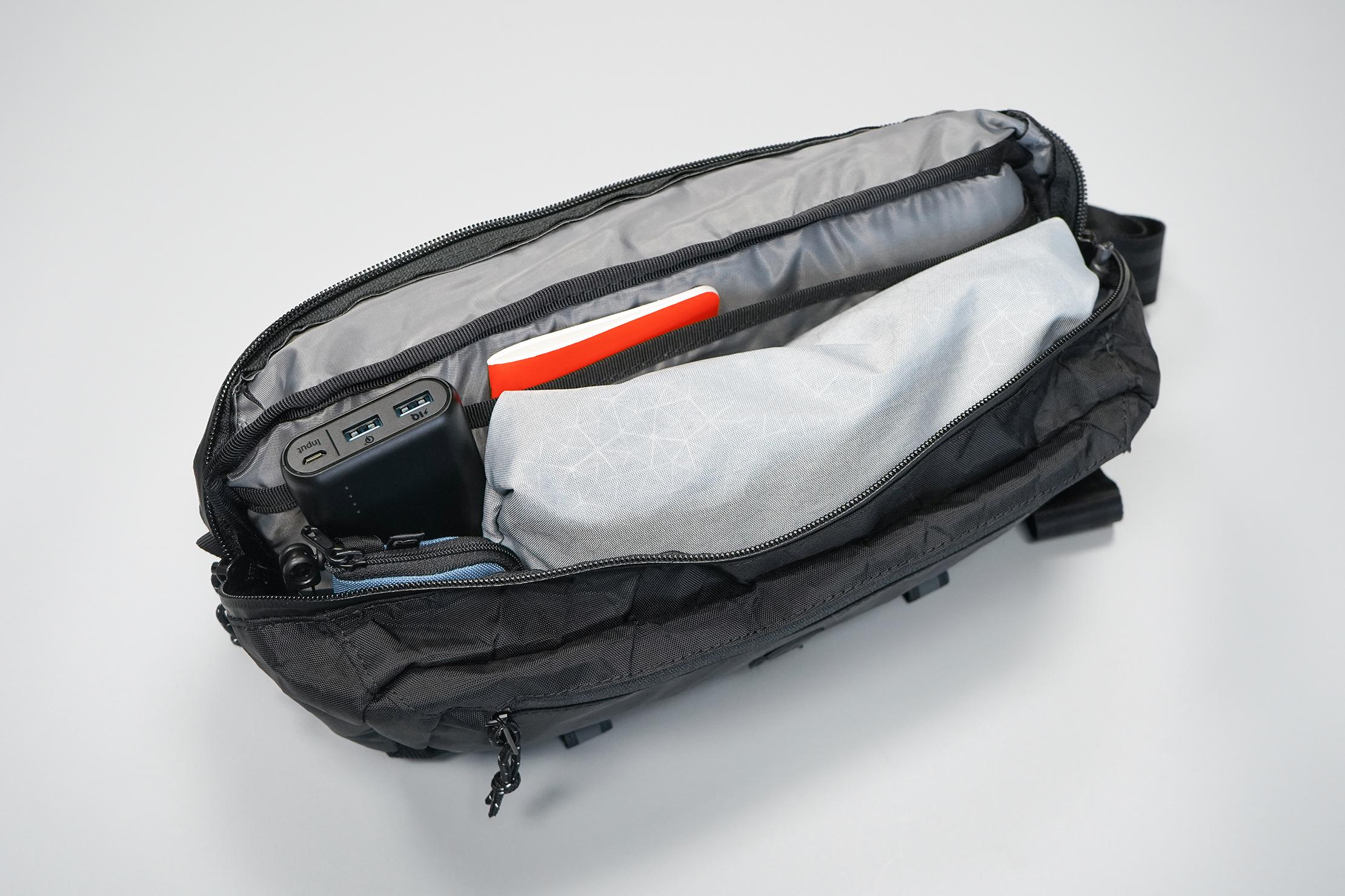 Chrome Industries Mini Kadet | Main compartment