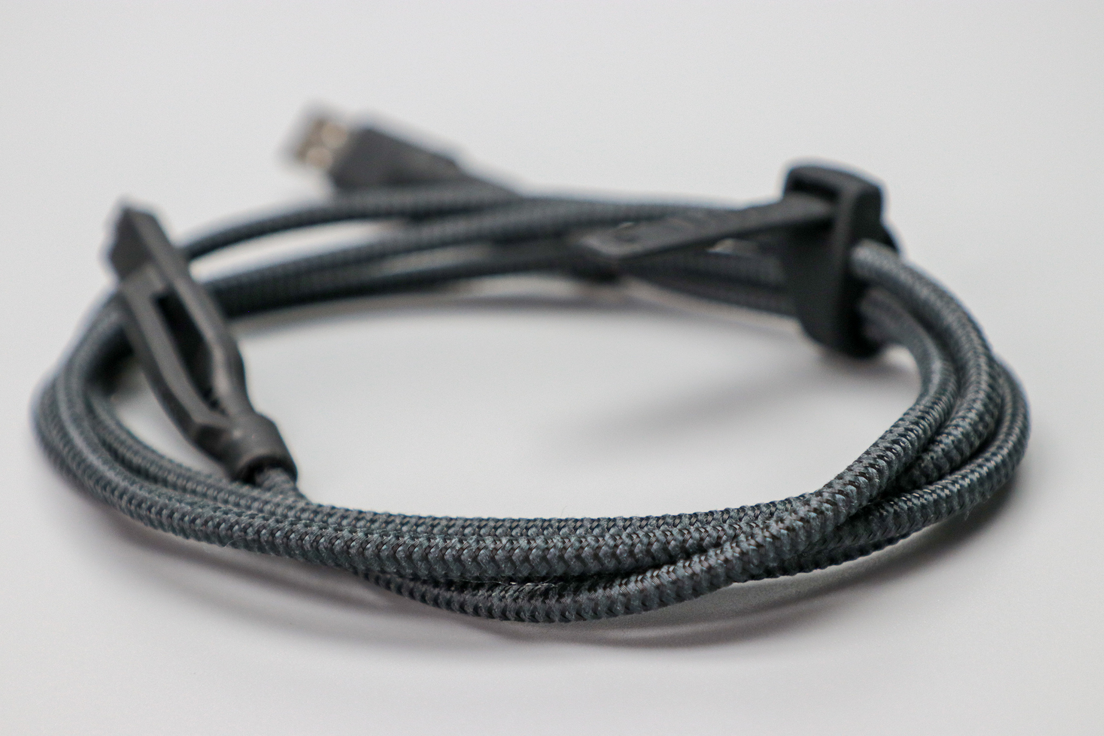 Nomad Goods Universal USB-C Cable braided cord