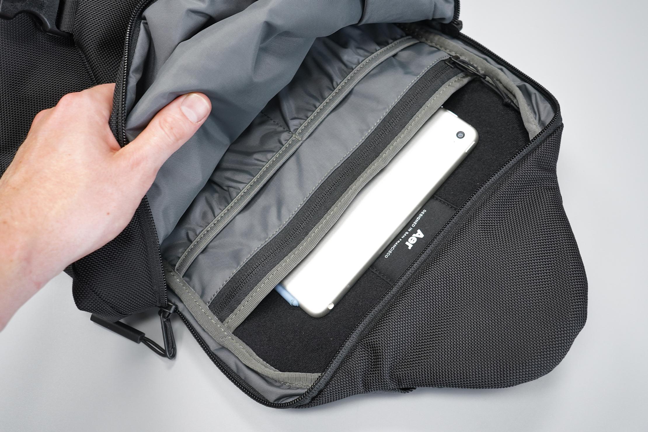 Aer Sling Bag 3 tech sleeve