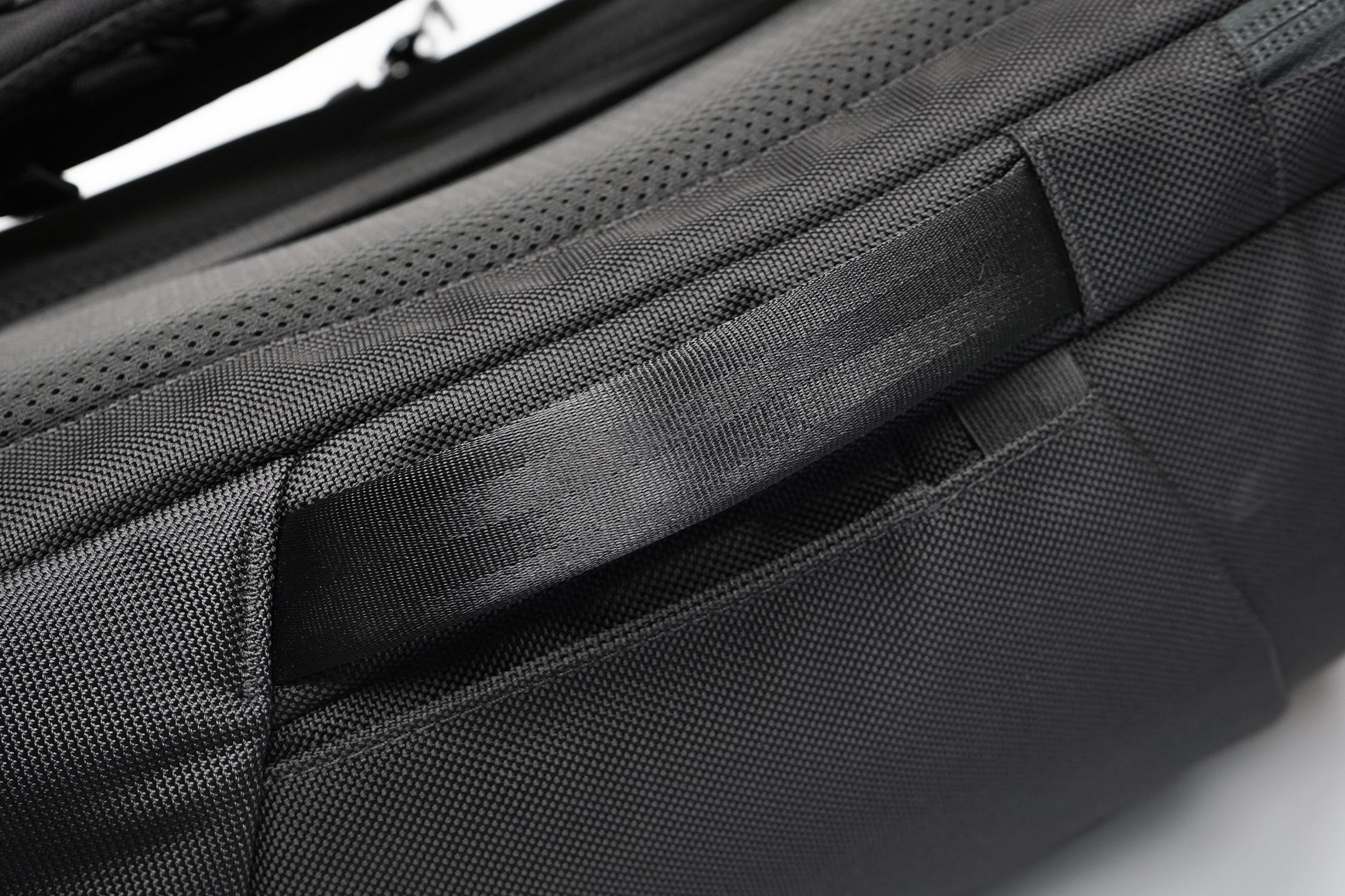 Aer Duffel Pack 3 | Side handle
