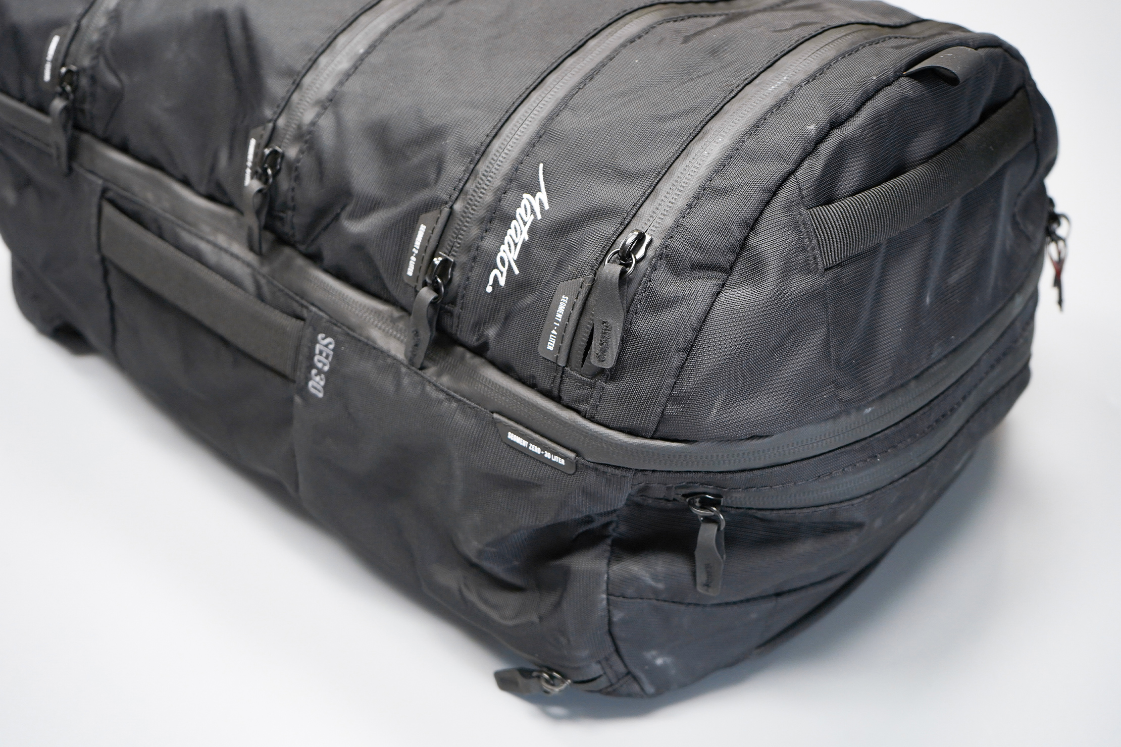 Matador SEG30 Backpack | Top and side handle