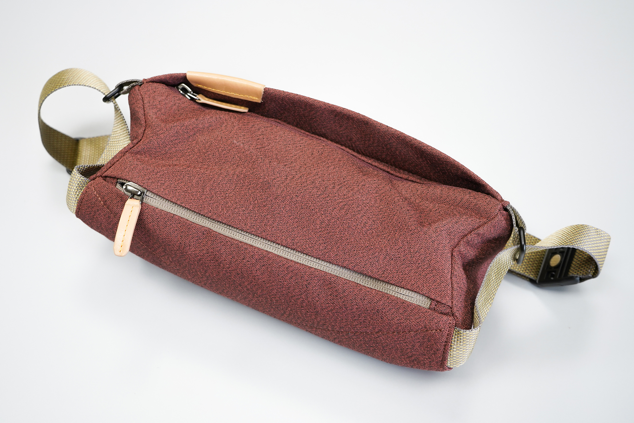 Bellroy Sling Mini | Top of the sling