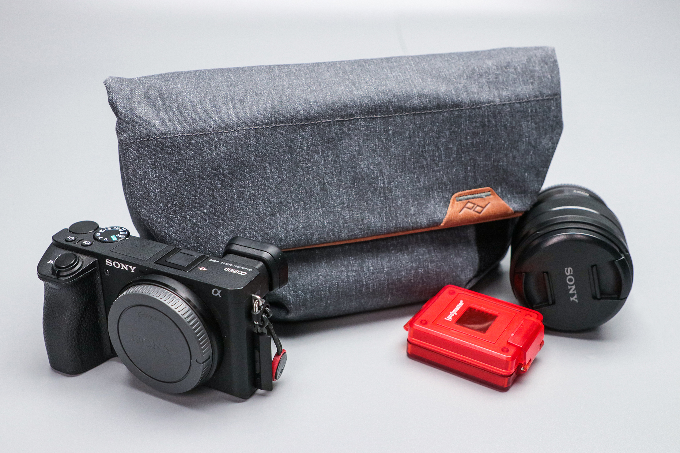 Peak Design Field Pouch V2 with Gear