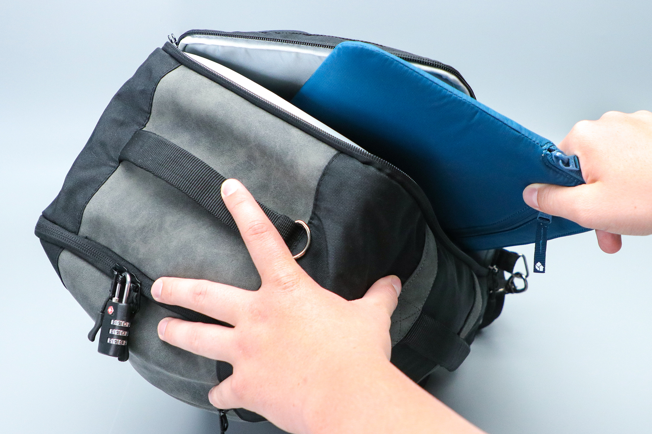 Cabin Max Manhattan Stowaway XL laptop with additional sleeve