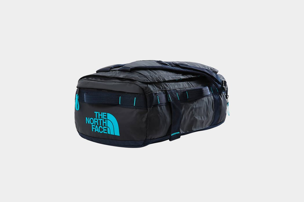 The North Face Base Camp Voyager 32L