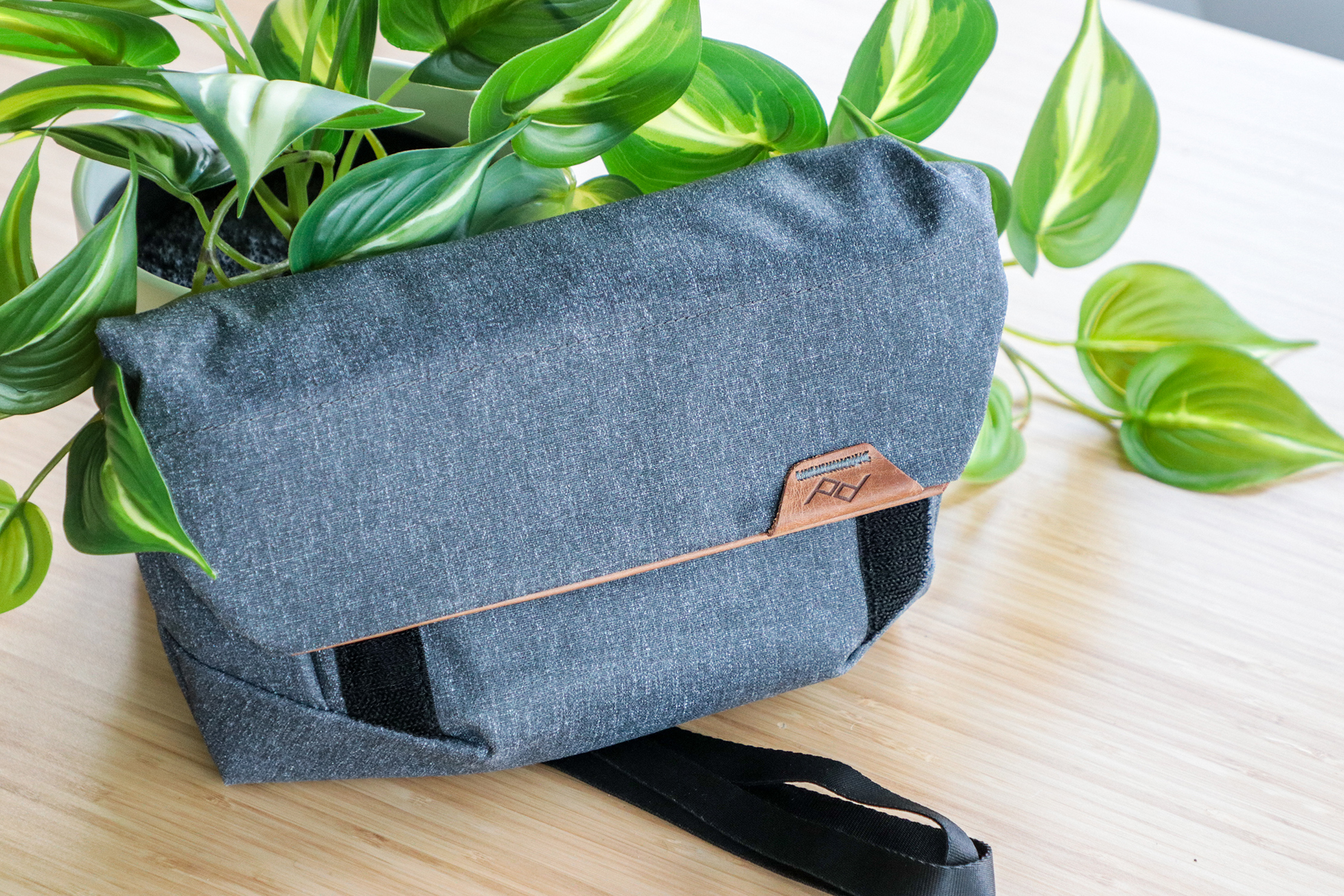 Peak Design Field Pouch V2 With Leaves
