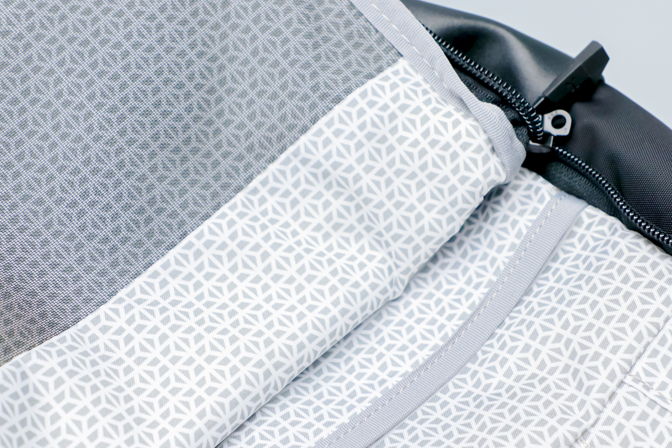 Knack Medium Expandable Pack Series 2 interior liner