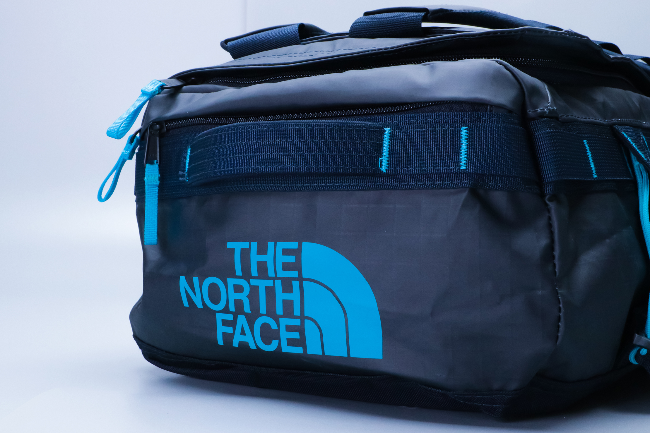 The North Face Base Camp Voyager 32L Logo