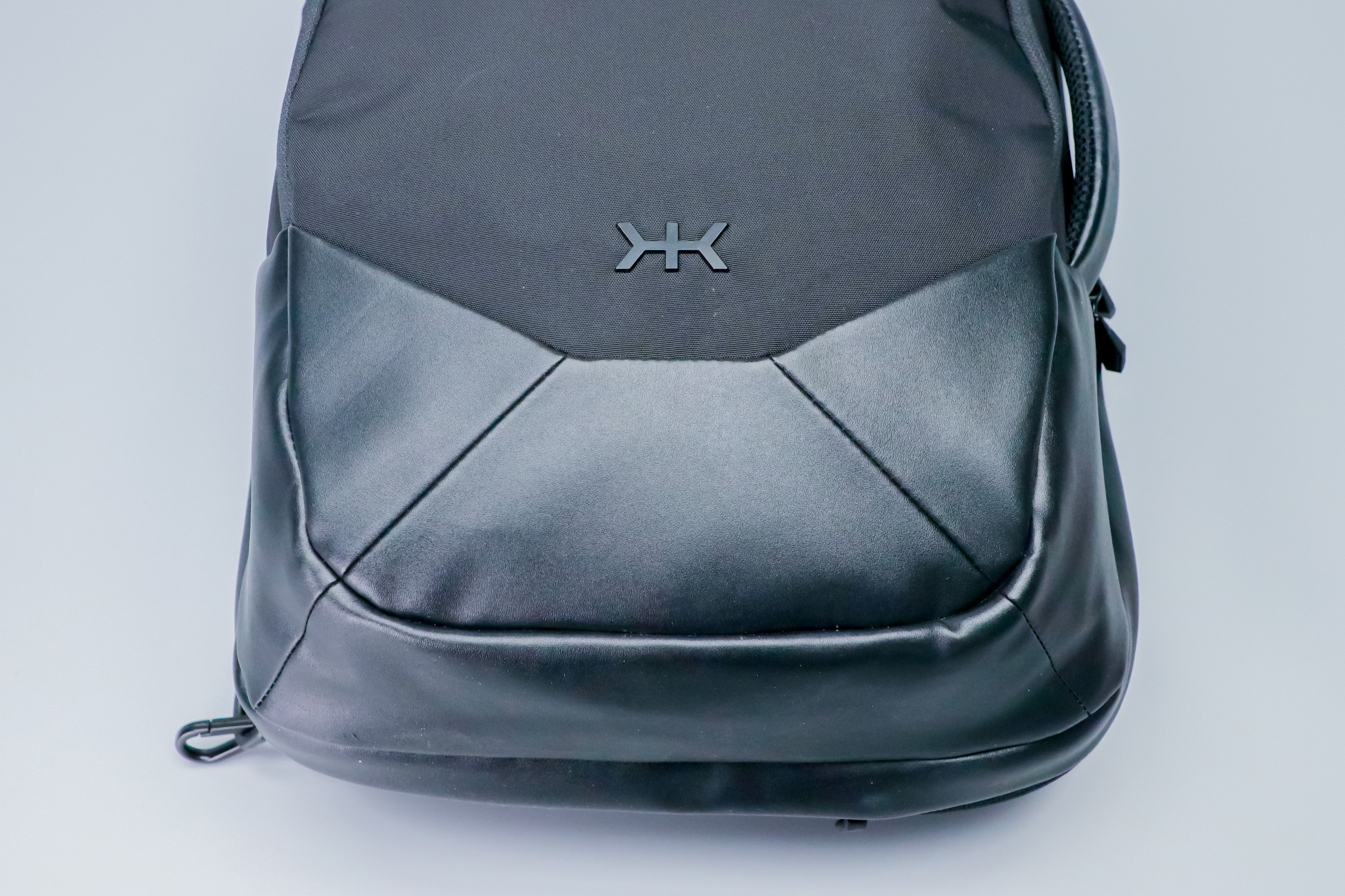 Knack Medium Expandable Pack Series 2 leather and logo