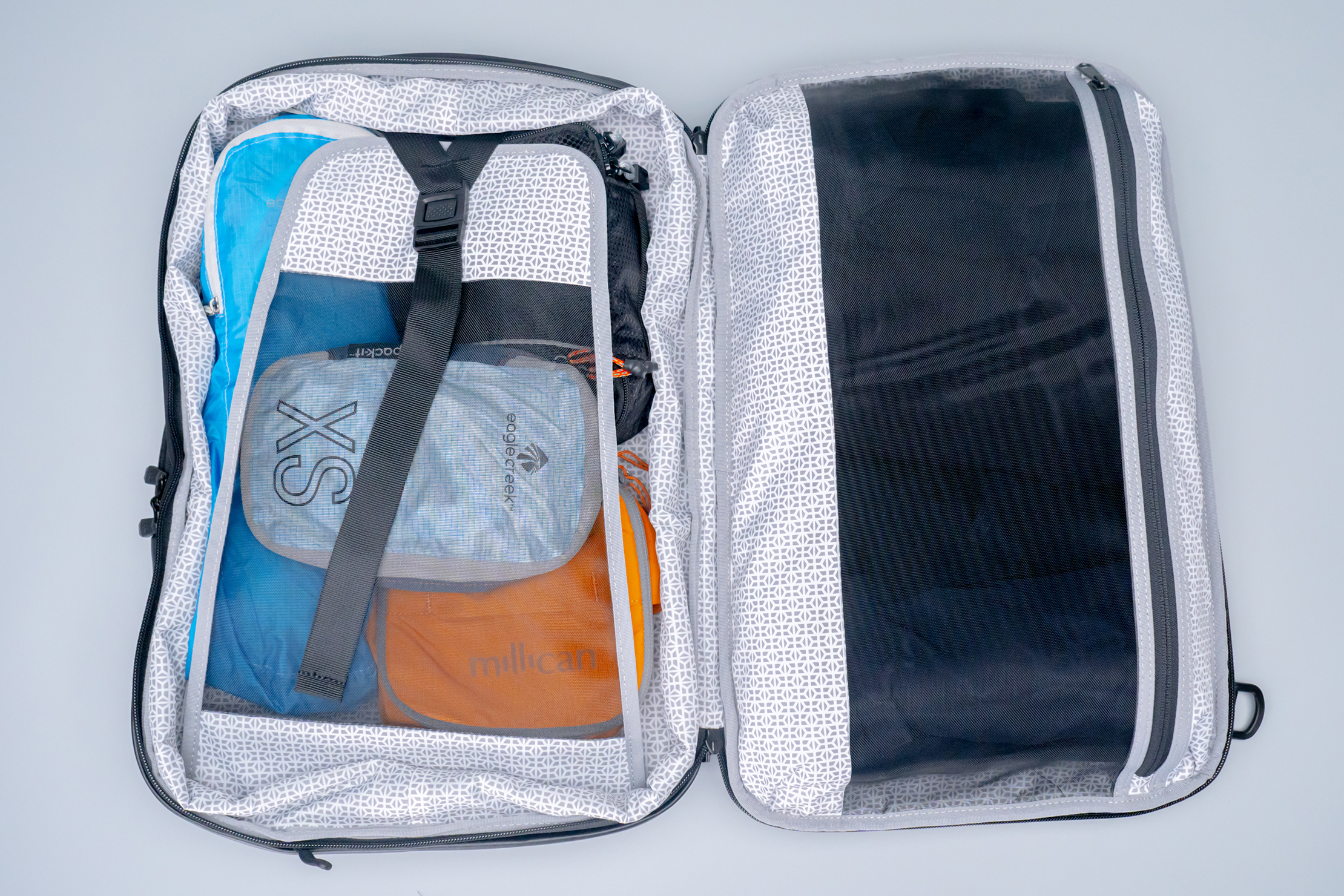 Knack Medium Expandable Pack Series 2 main compartment full spread