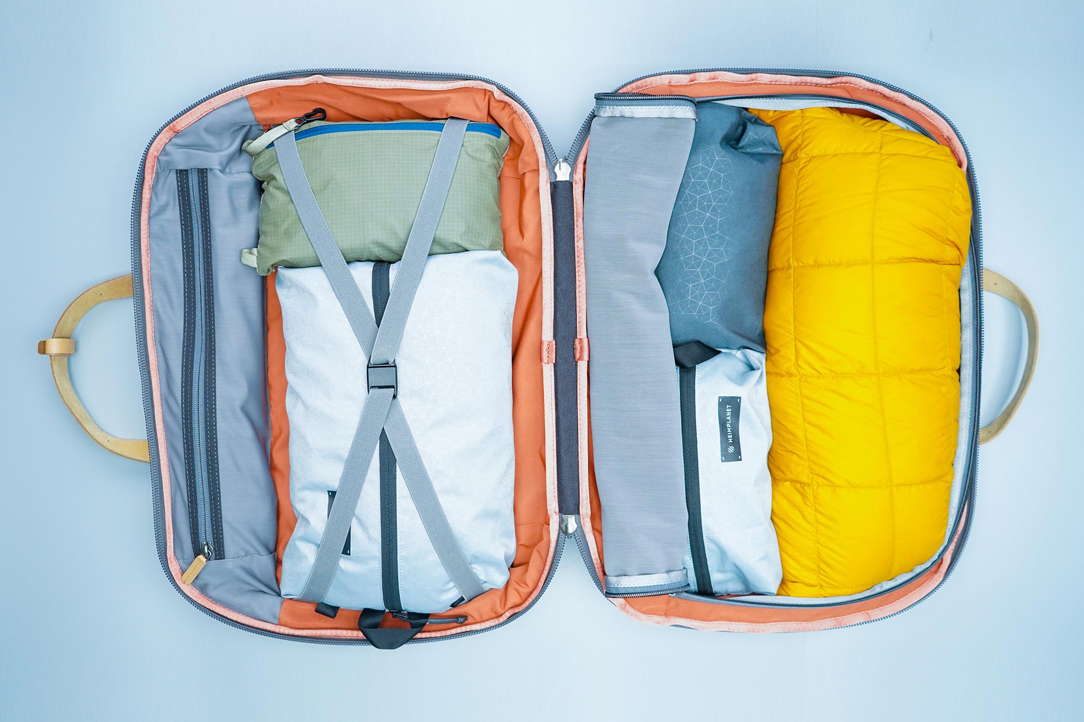 Bellroy Flight Bag Interior Main Compartment