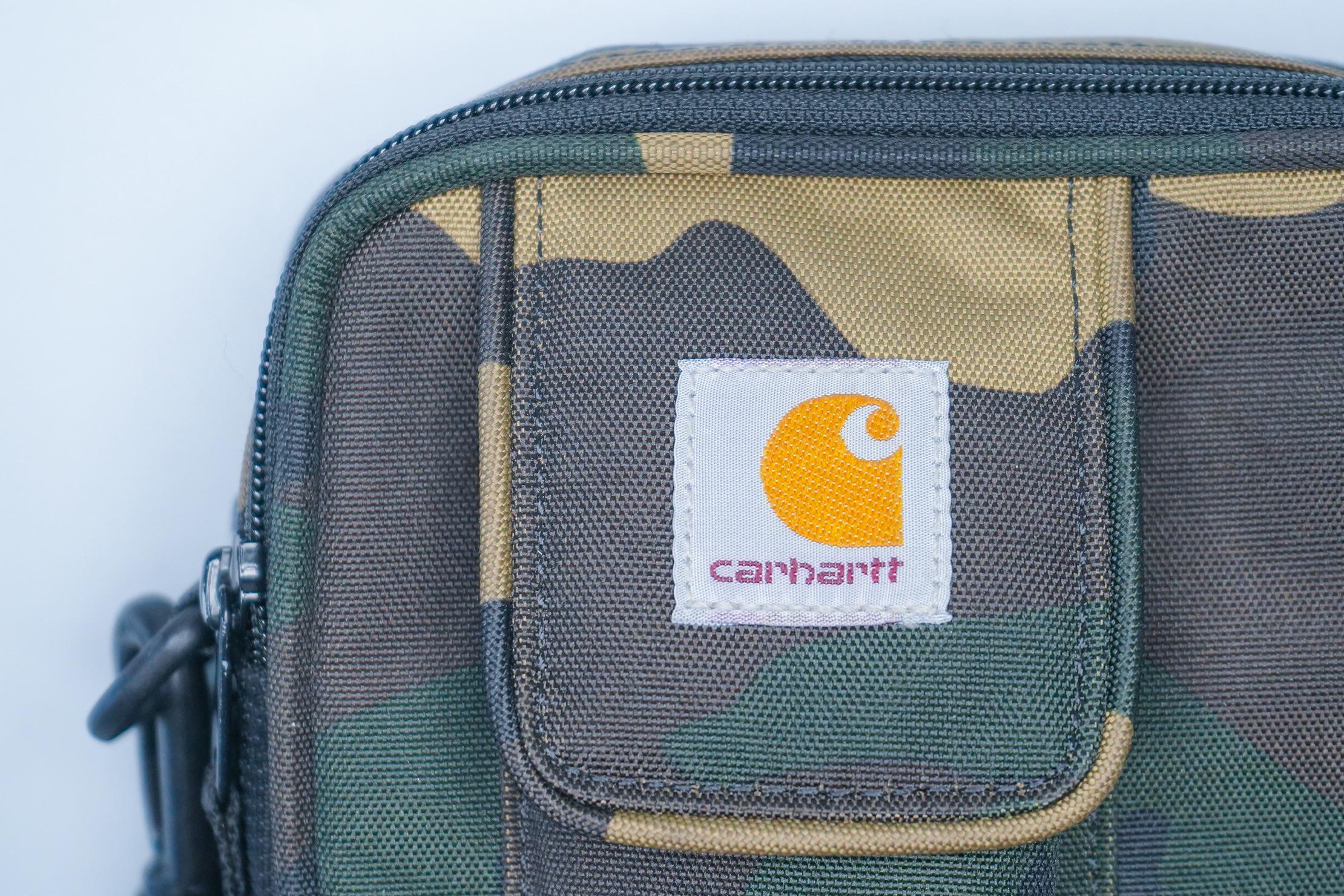 Carhartt WIP Essentials Bag logo