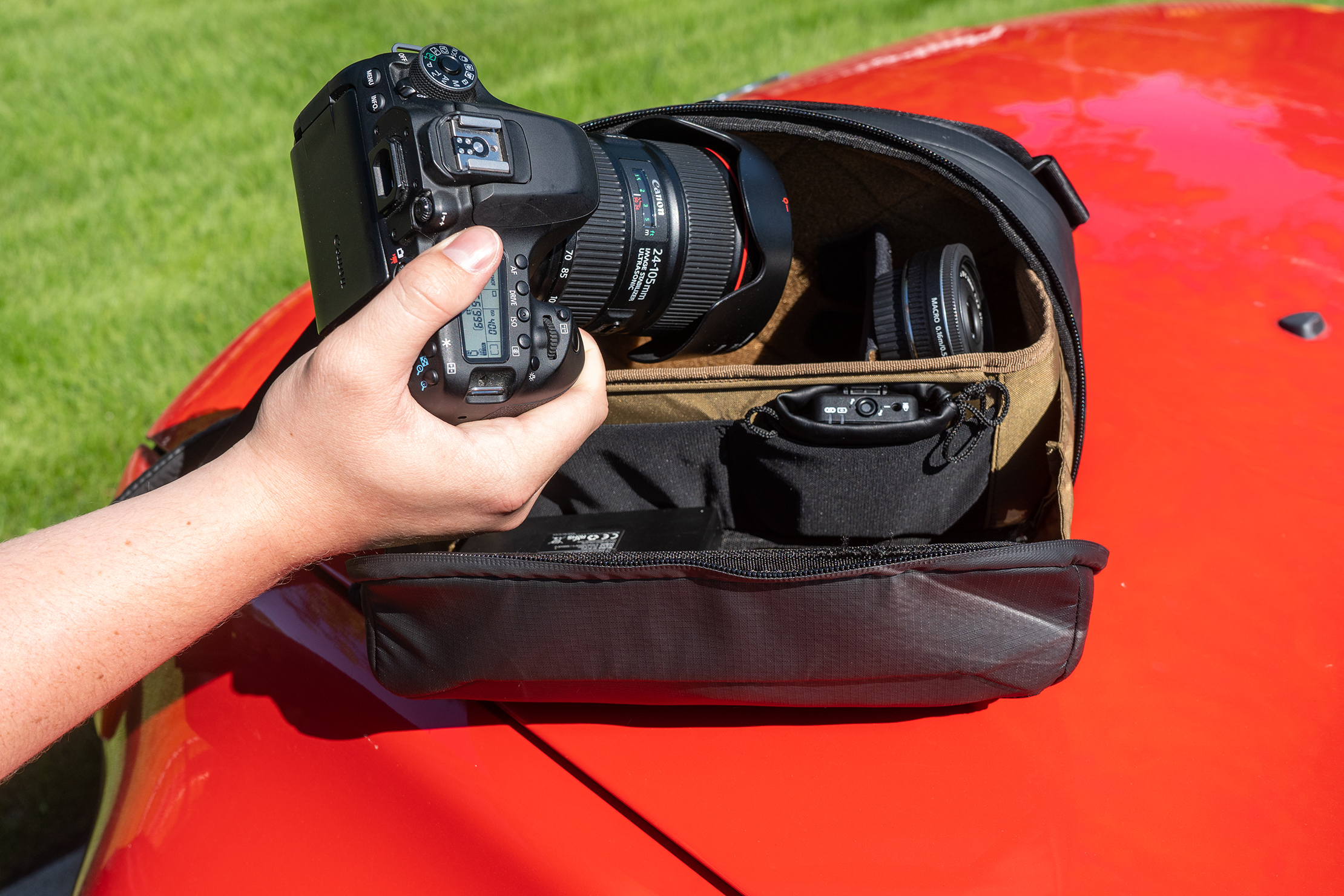 NOMATIC McKinnon Camera Sling 8L with Camera in Hand