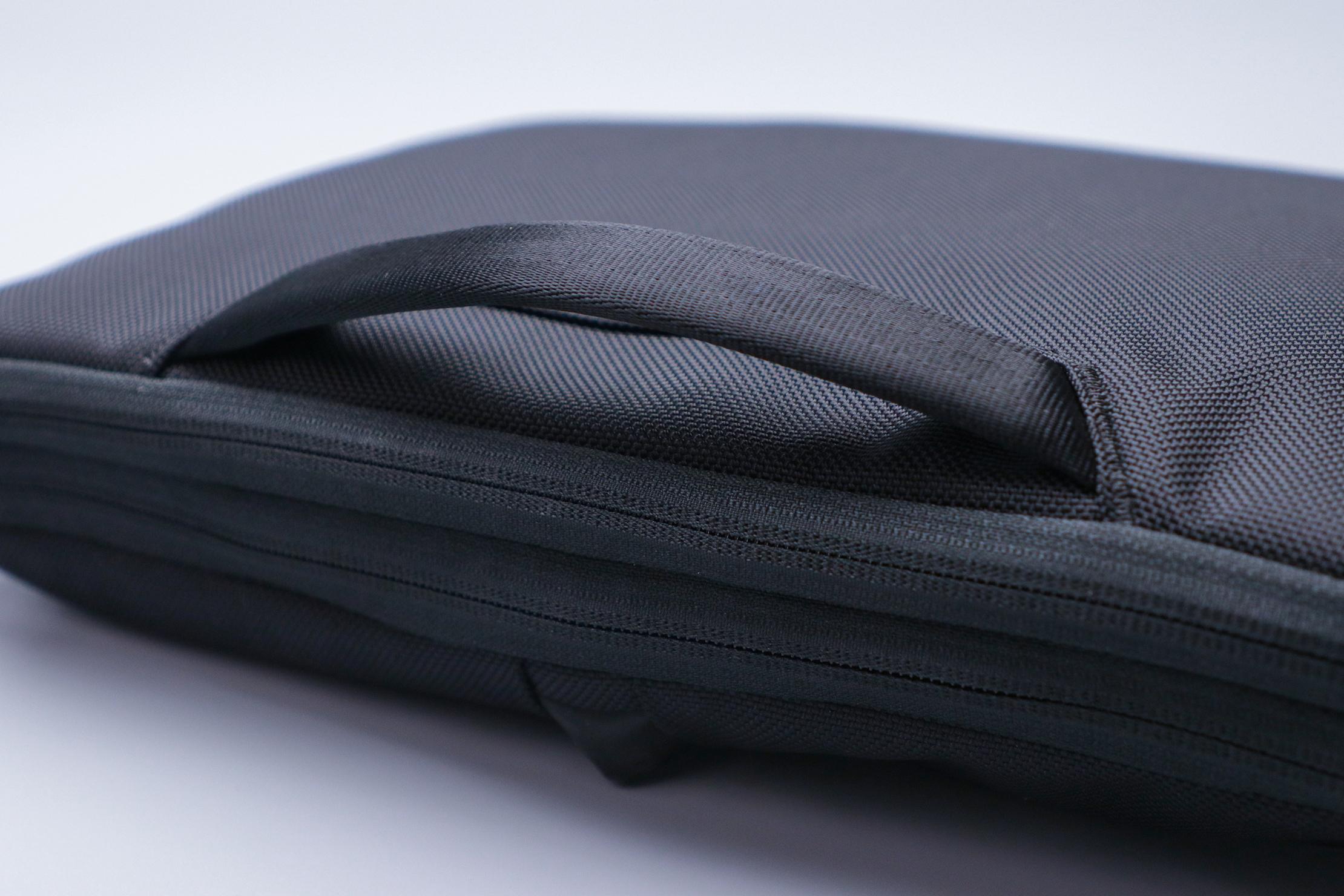 """Aer Tech Folio 16"""" Carry Handle"""