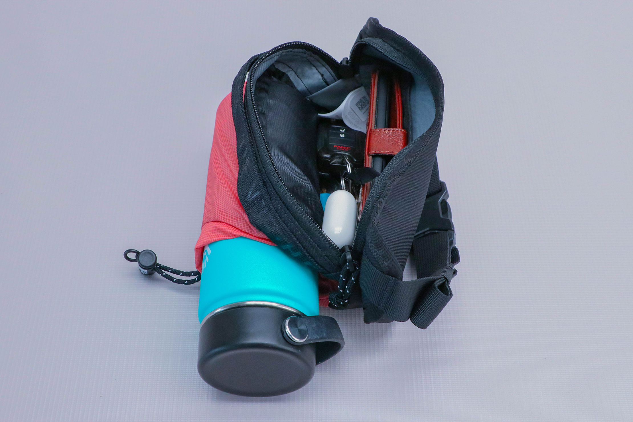 The North Face Bozer Hip Pack III Water Bottle Interior