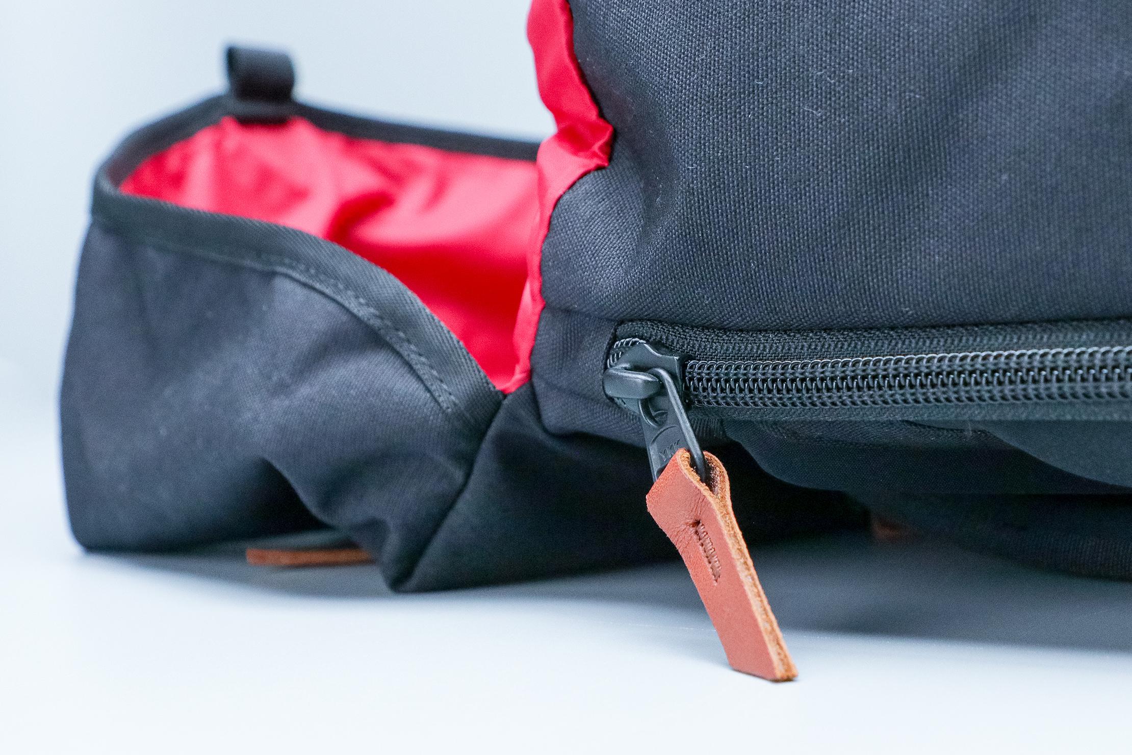 Danner 26L Daypack Zipper