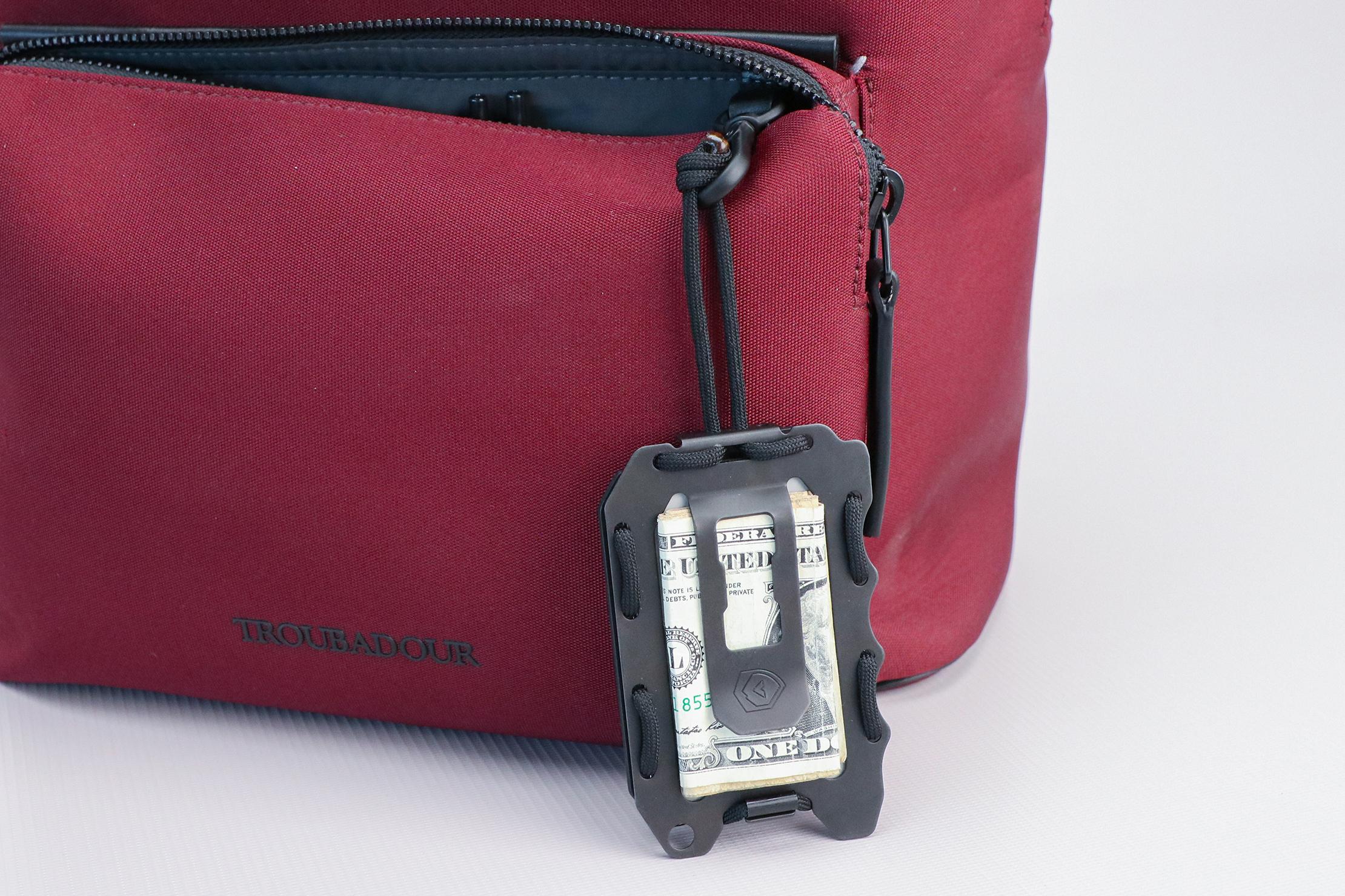Trayvax Original 2.0 Wallet Hooked