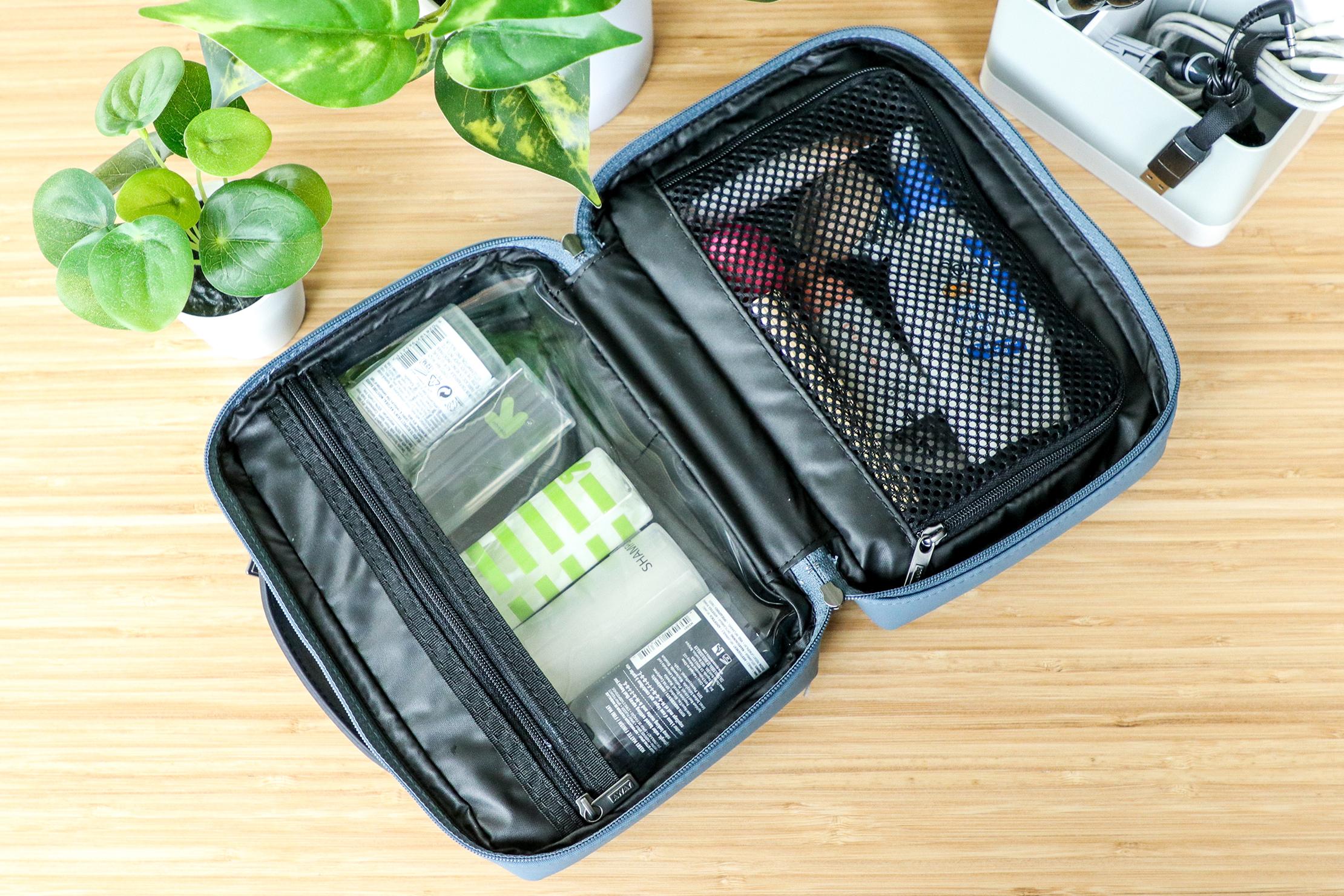 Away Small Toiletry Bag Usage 2