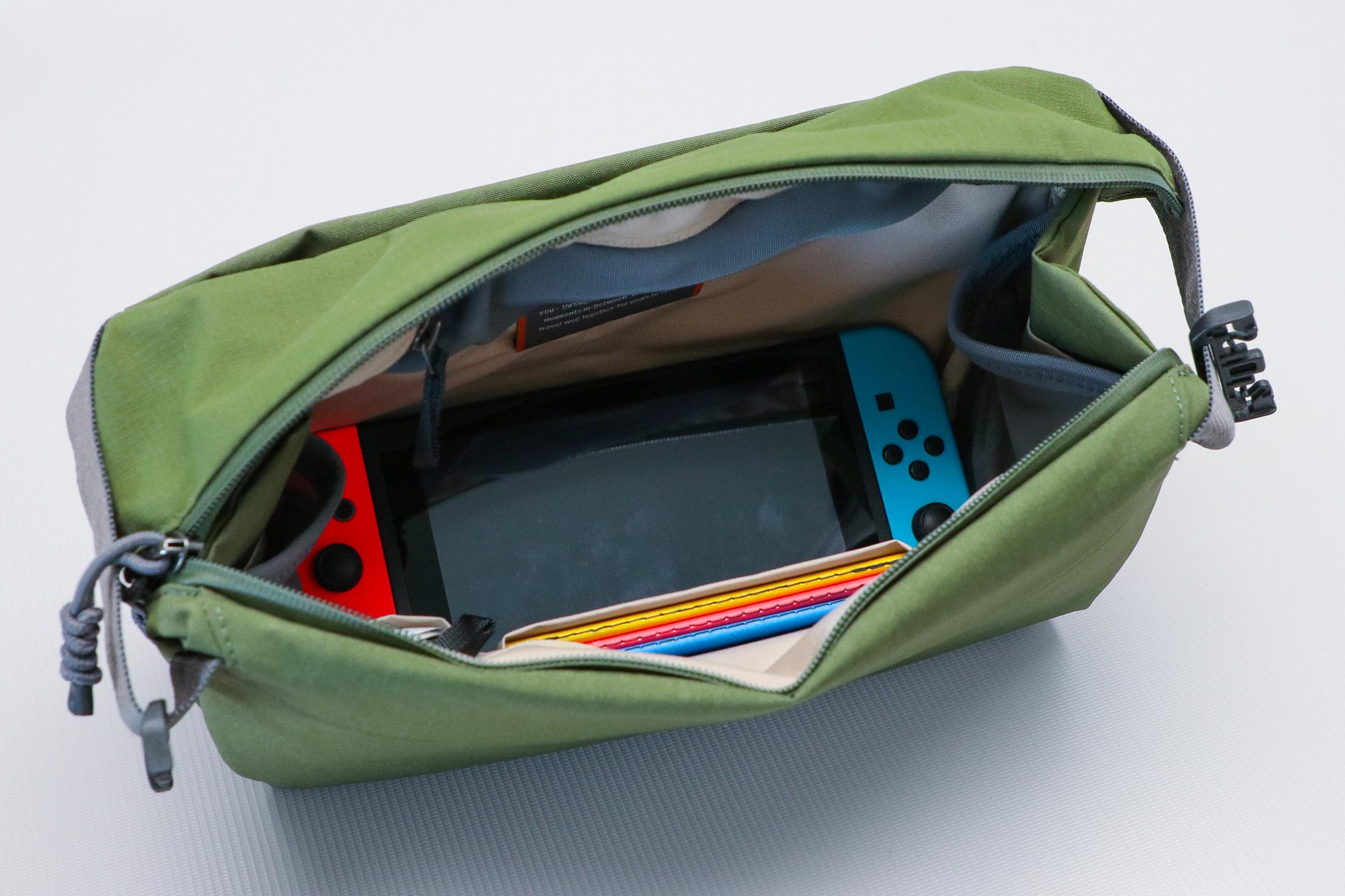 Bellroy Venture Sling Nintendo