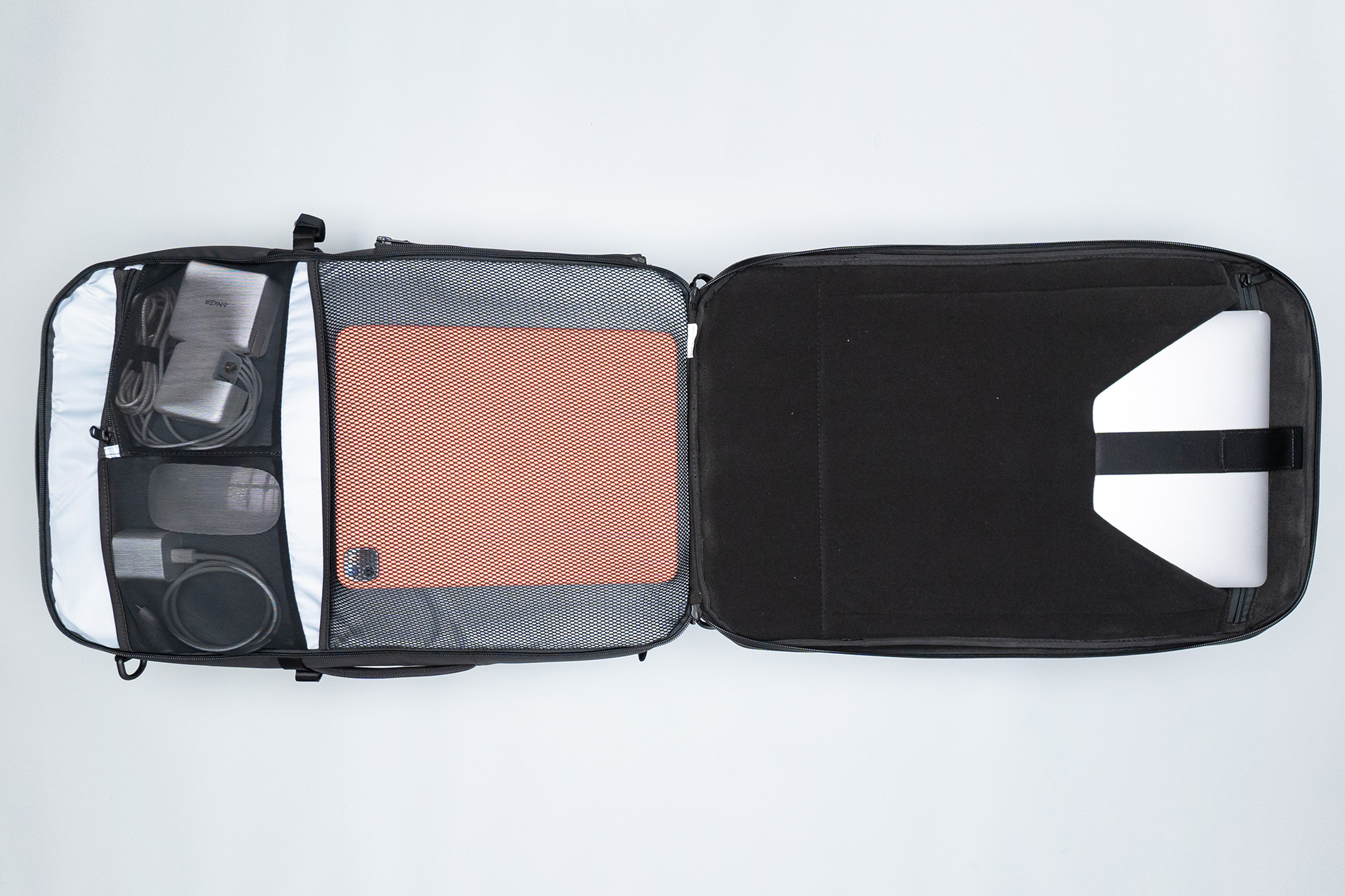 Gravel Backpack Travel System 42L Tech Compartment