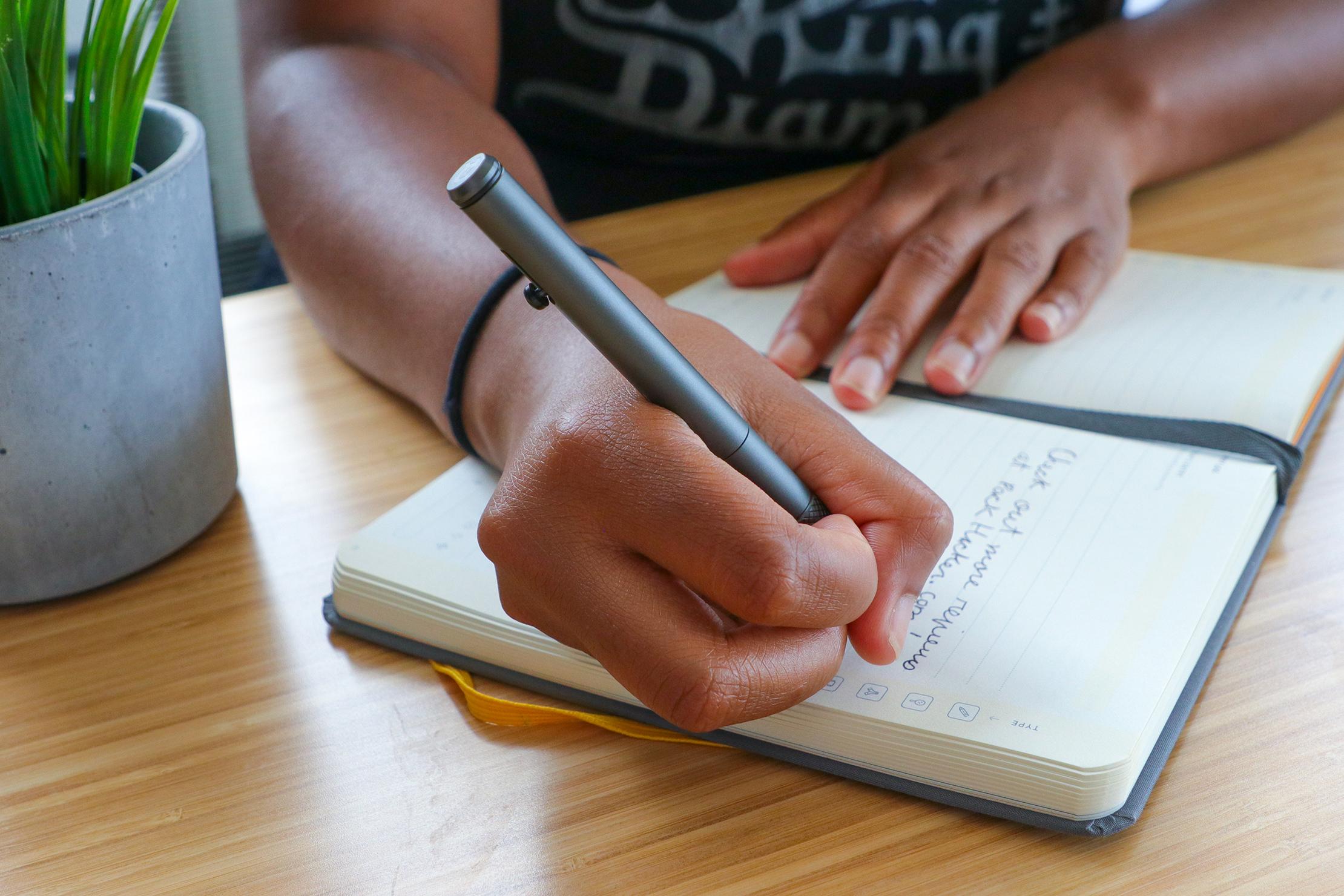 The Ridge Bolt Action Pen usage