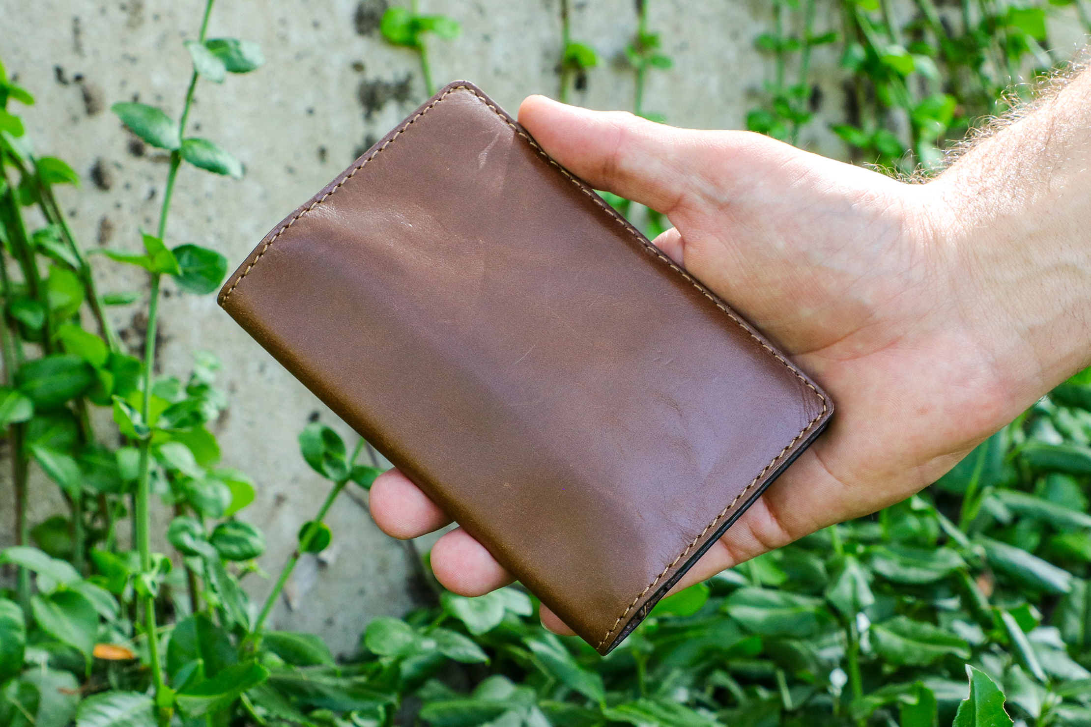 Nomad Goods Traditional Passport Wallet Usage 2