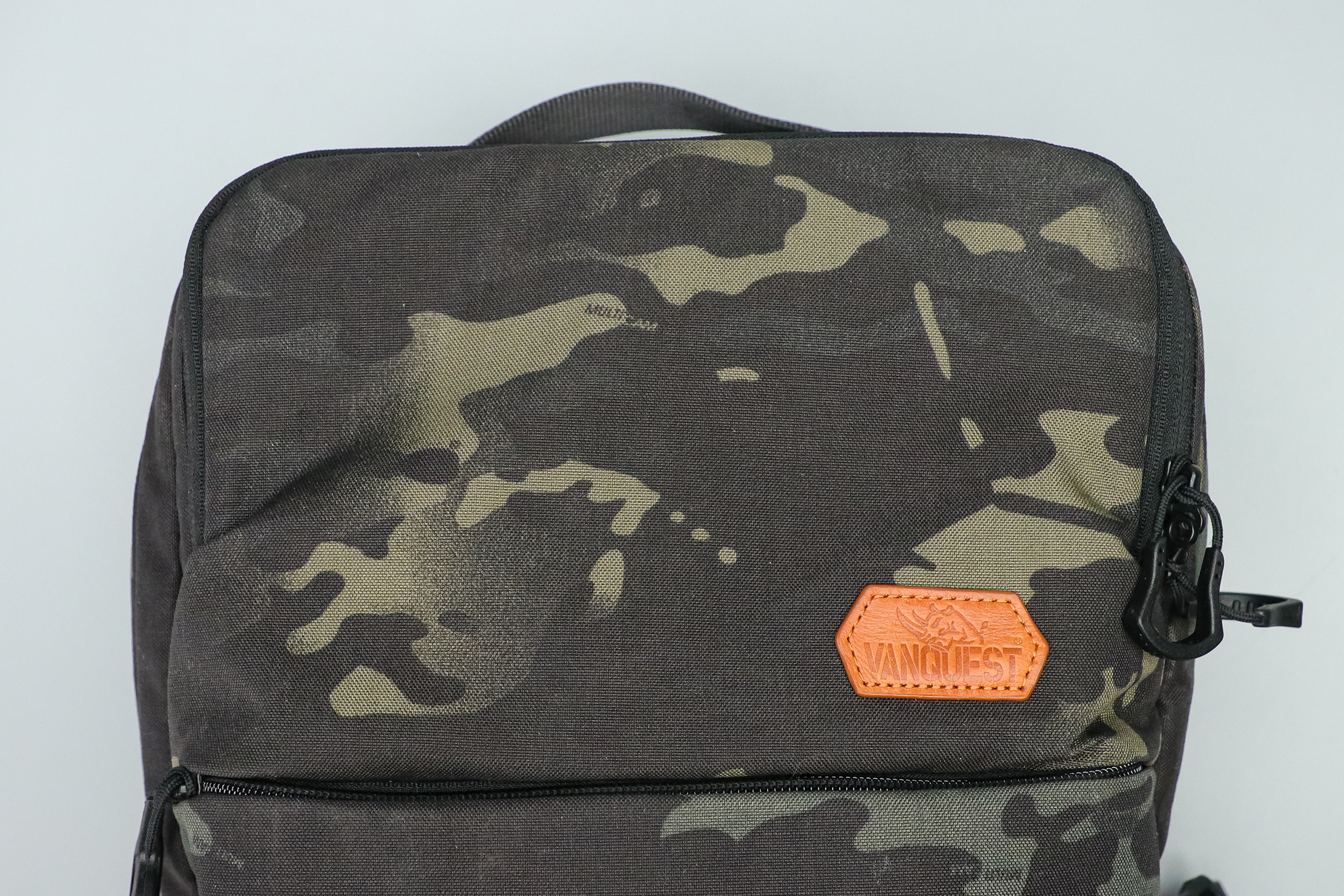 Vanquest ADDAX-18 Backpack logo and material
