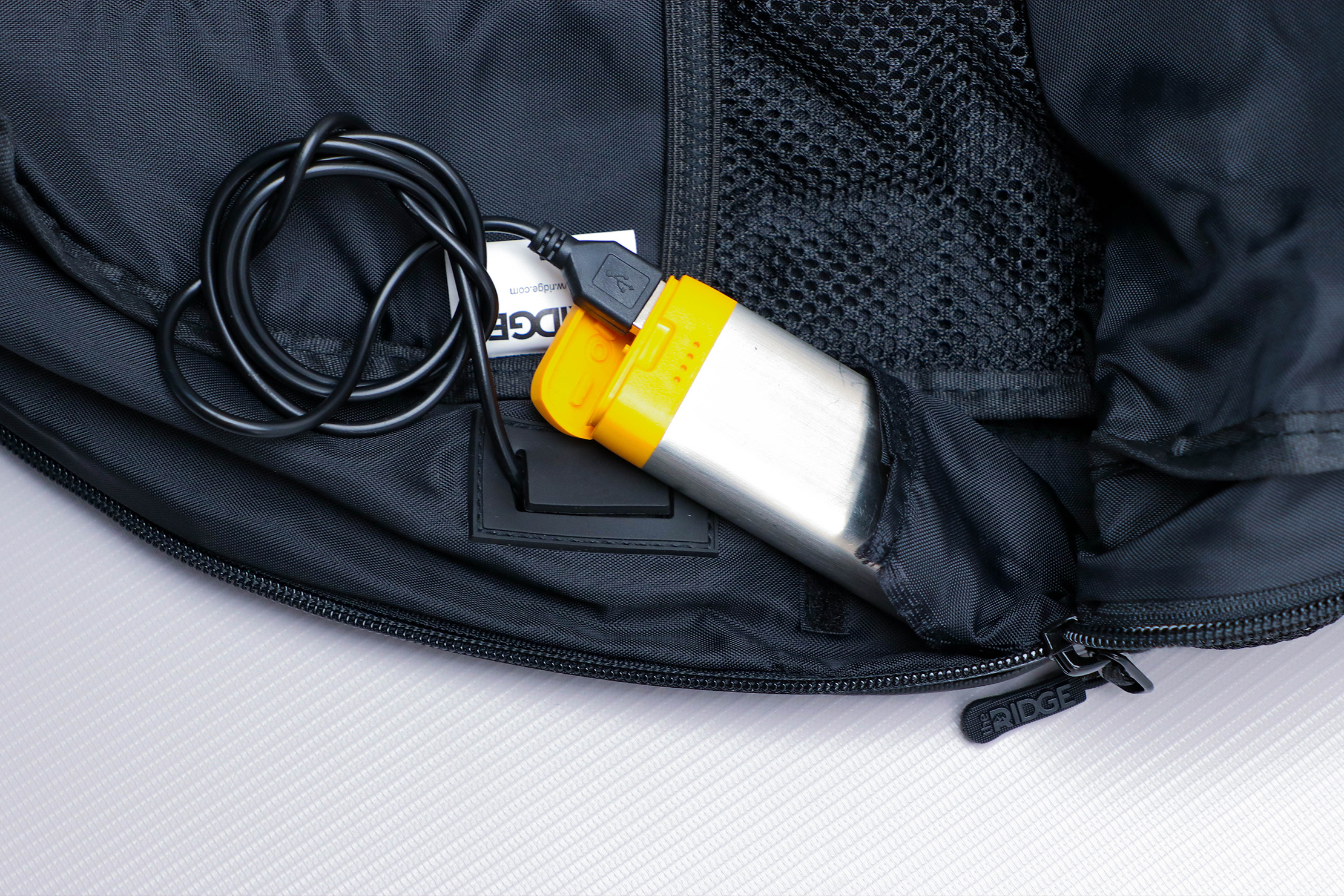 The Ridge Classic Backpack Weatherproof Powerbank