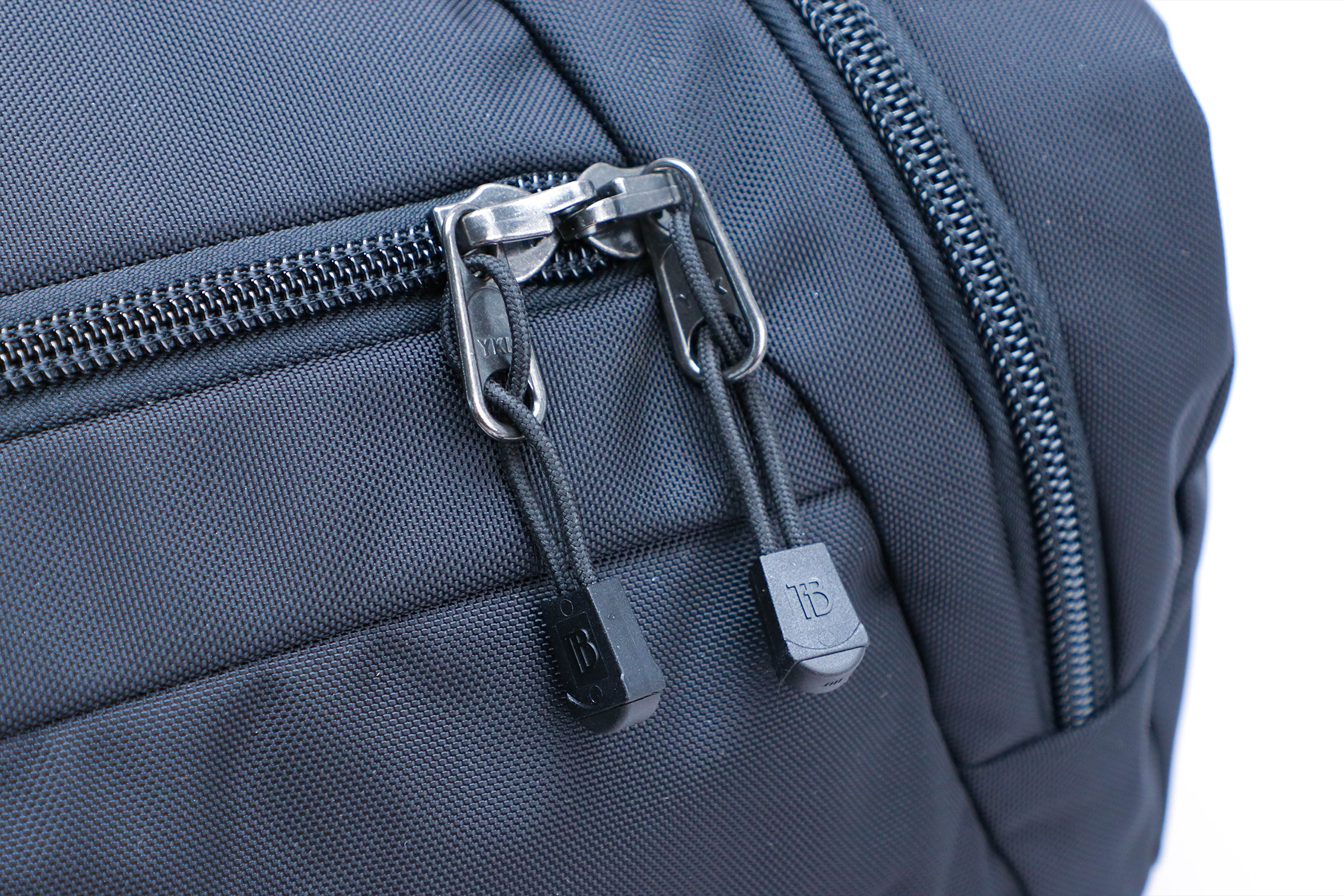 Tom Bihn Techonaut 30 Zipper