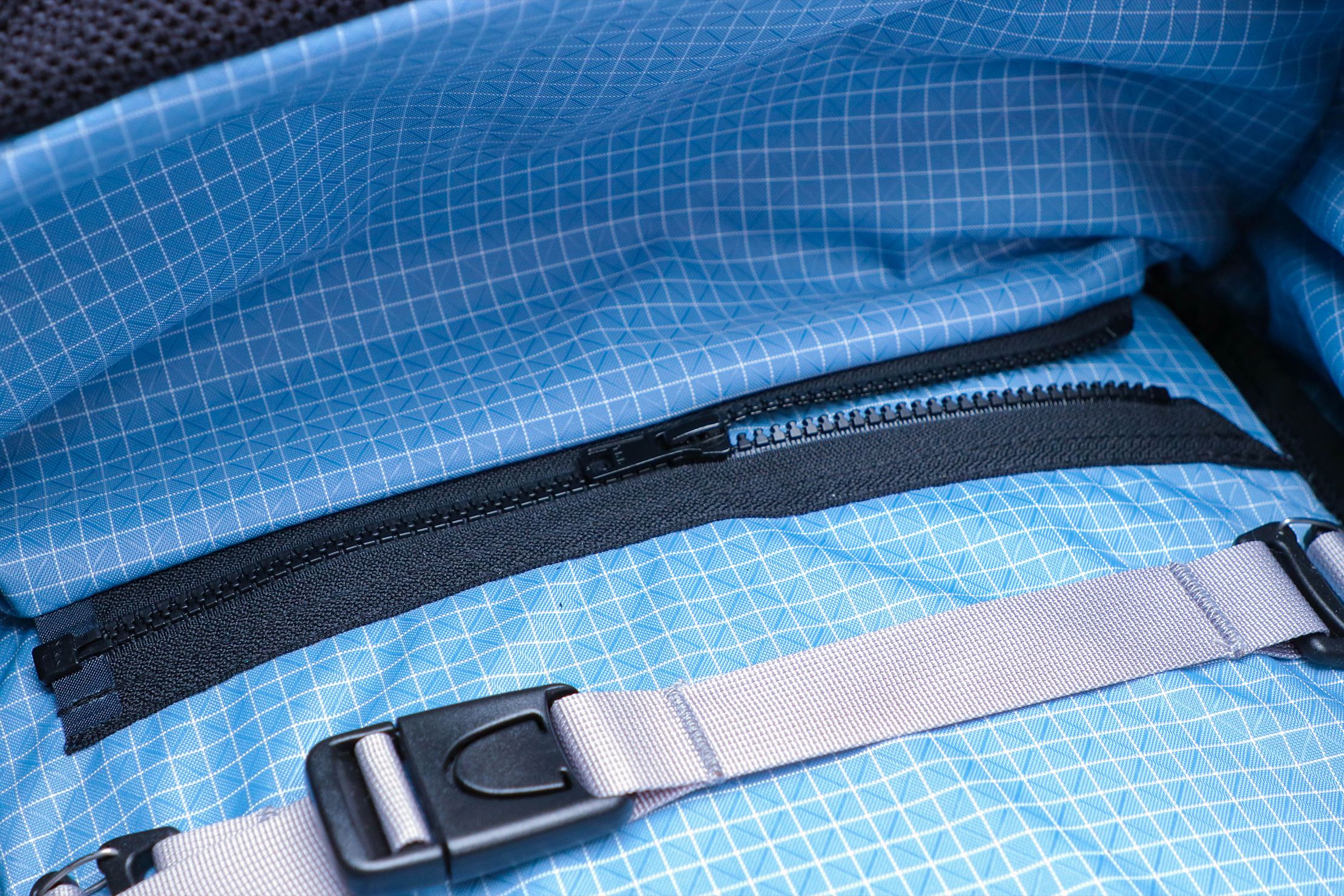 Tom Bihn Techonaut 30 Interior Zipper